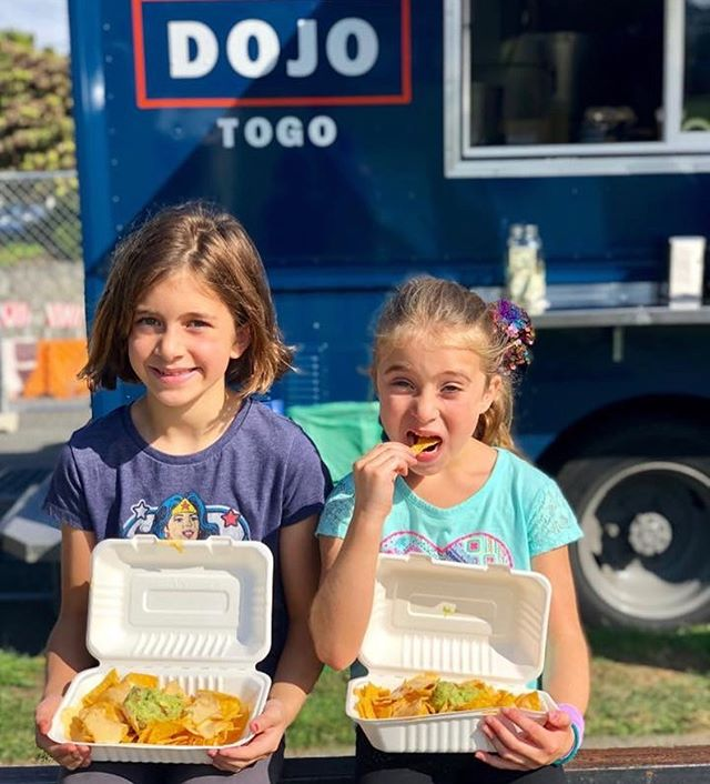 Lots of fun to be had for the kids at @edmondsoktoberfest - kids nachos here at the Dojotogo truck are the perfect snack 🙌🏻 #nachos #kidsareawesome #foodtruck #eatedmonds #tacos #ricebowls #saturdaynightfun