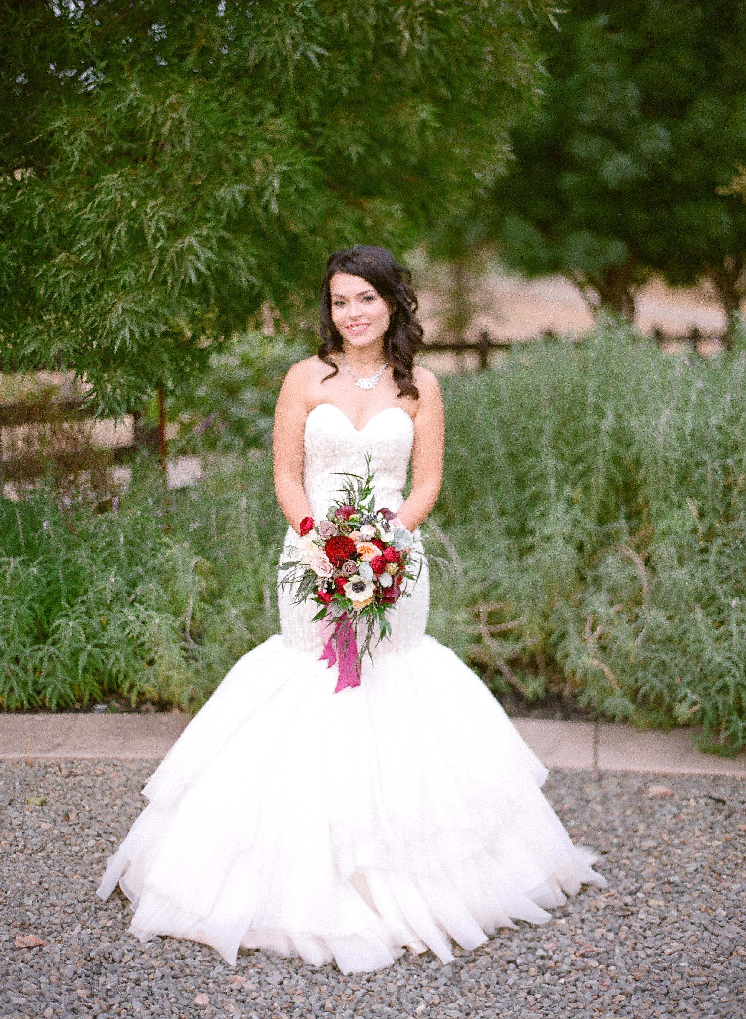 Amador_County_Wedding_Bride_Bridal_Bouquet_Rancho_Victoria_Vineyard_Northern_California.jpg