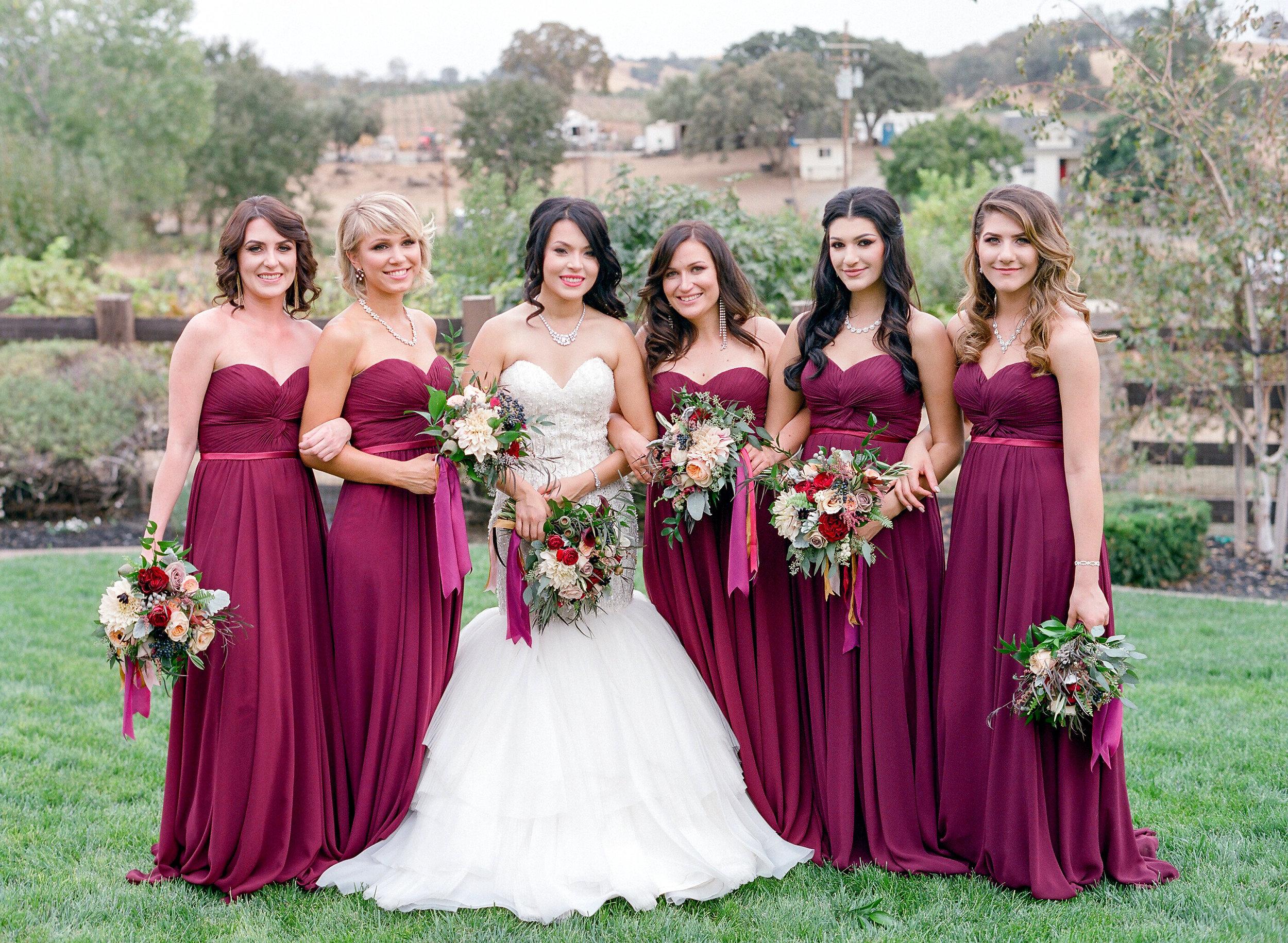 Amador_County_Wedding_Bride_Bridesmaids_Bouquets_Scenery_Rancho_Victoria_Vineyard_Northern_California.jpg