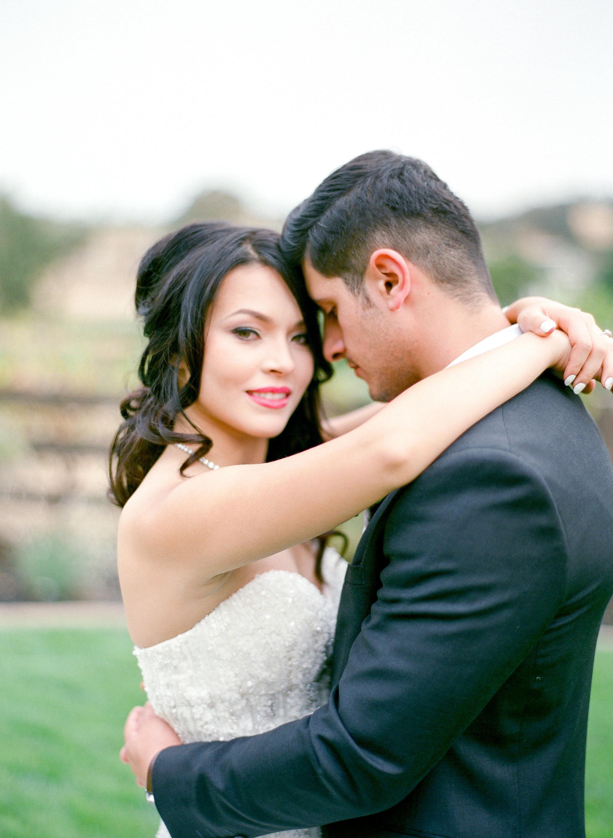 Amador_County_Wedding_Bride_Groom_Pose_Romantic_Rancho_Victoria_Vineyard_Northern_California.jpg