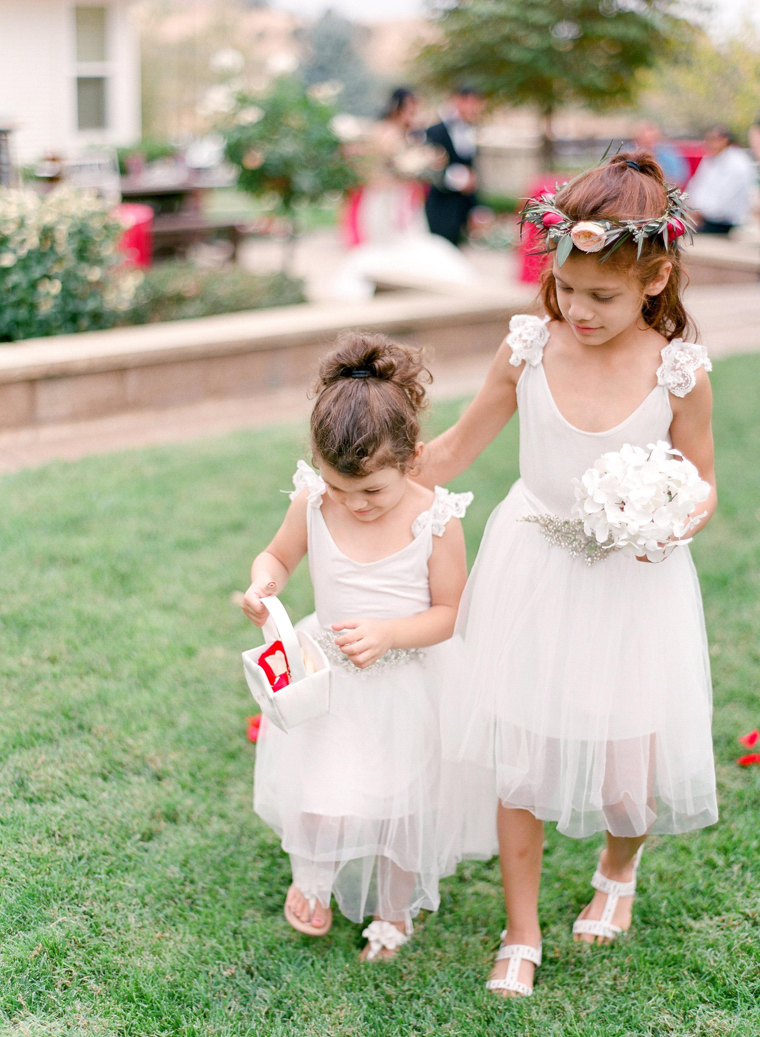 Amador_County_Wedding_Flower_Girls_Petals_Crown_Bouquet_Rancho_Victoria_Vineyard_Northern_California.jpg