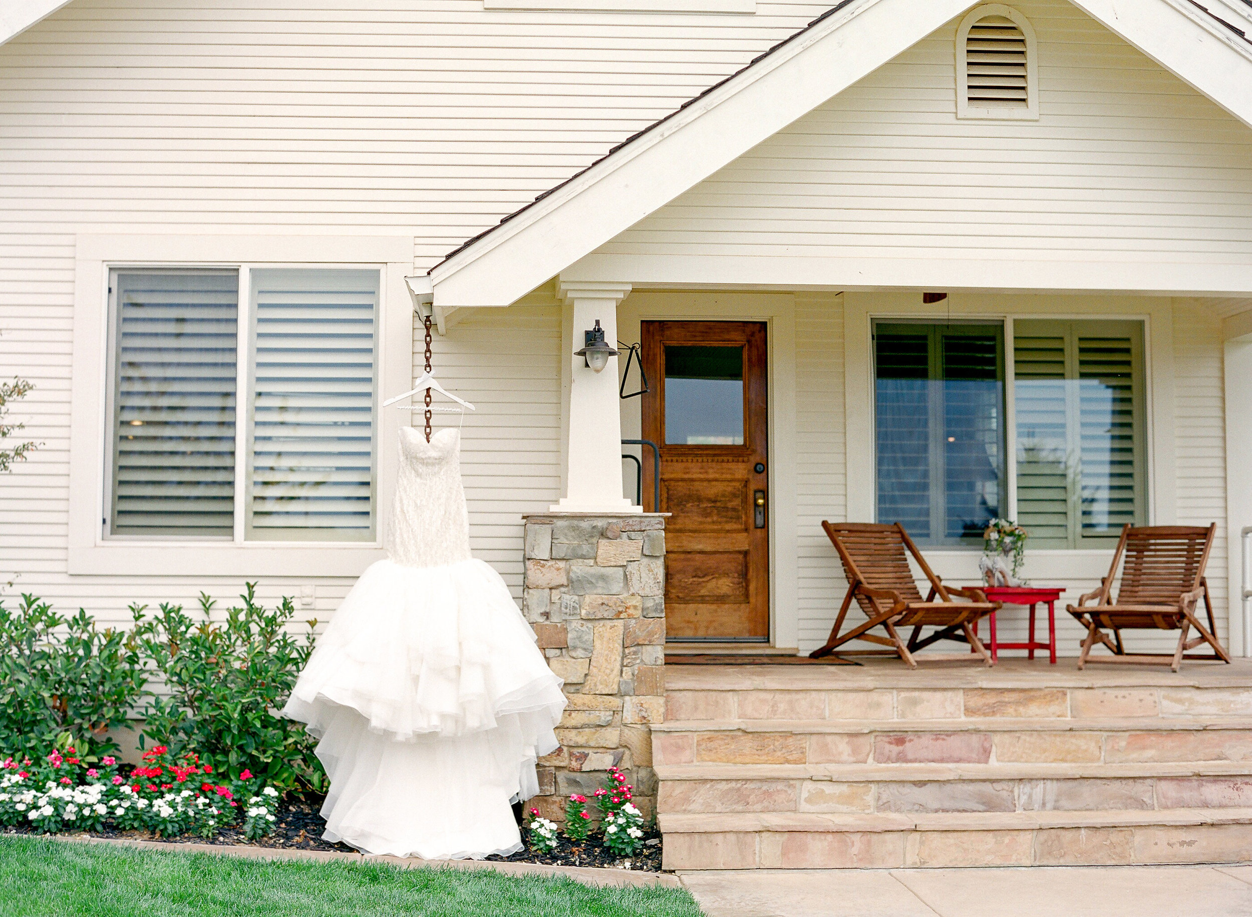Amador_County_Wedding_House_Rancho Victoria_Vineyard_Bride_Dress_Northern_California.jpg