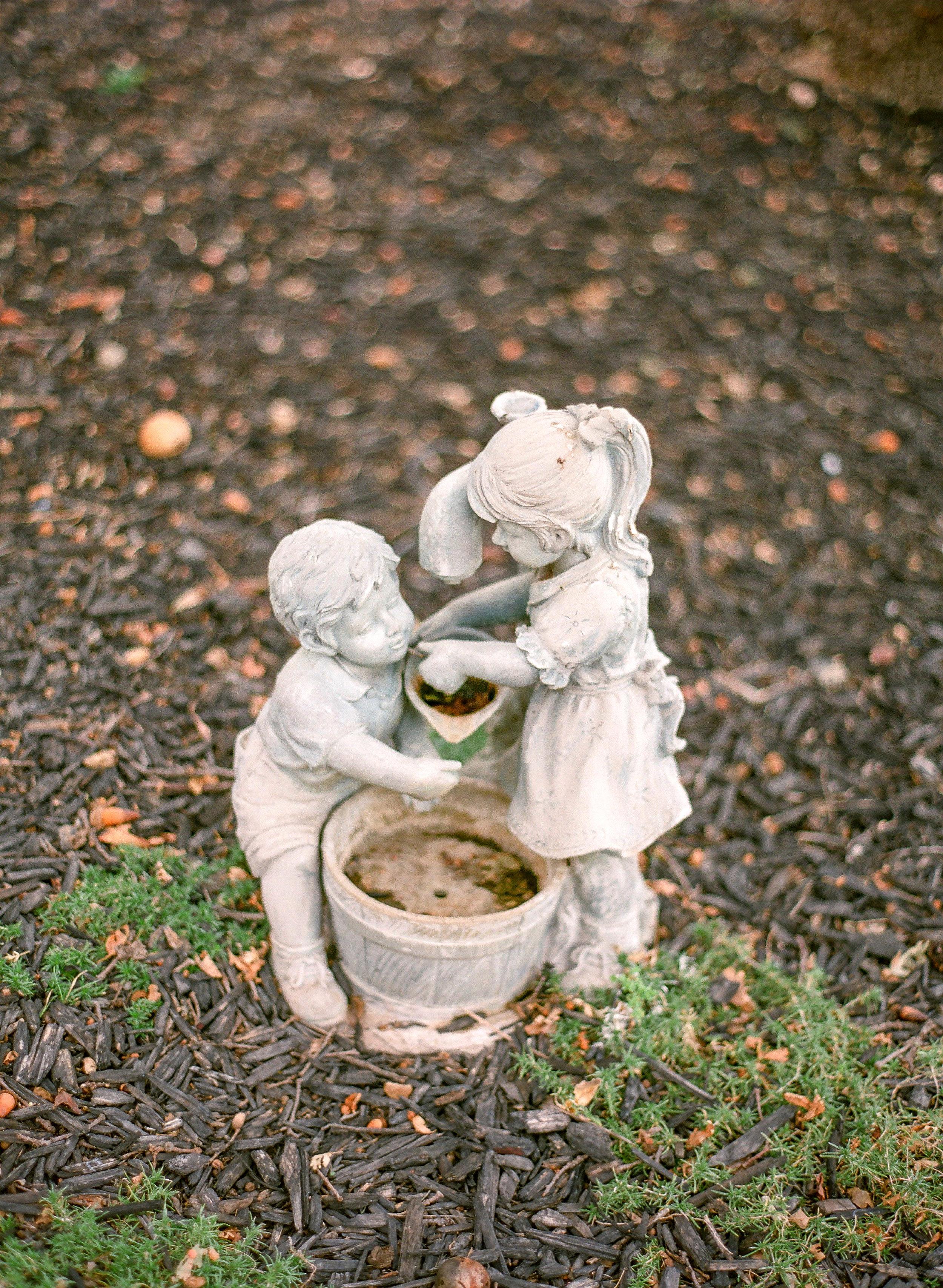 Amador_County_Wedding_Rancho_Victoria_Vineyard_Garden_Sculpture_Northern_California.jpg
