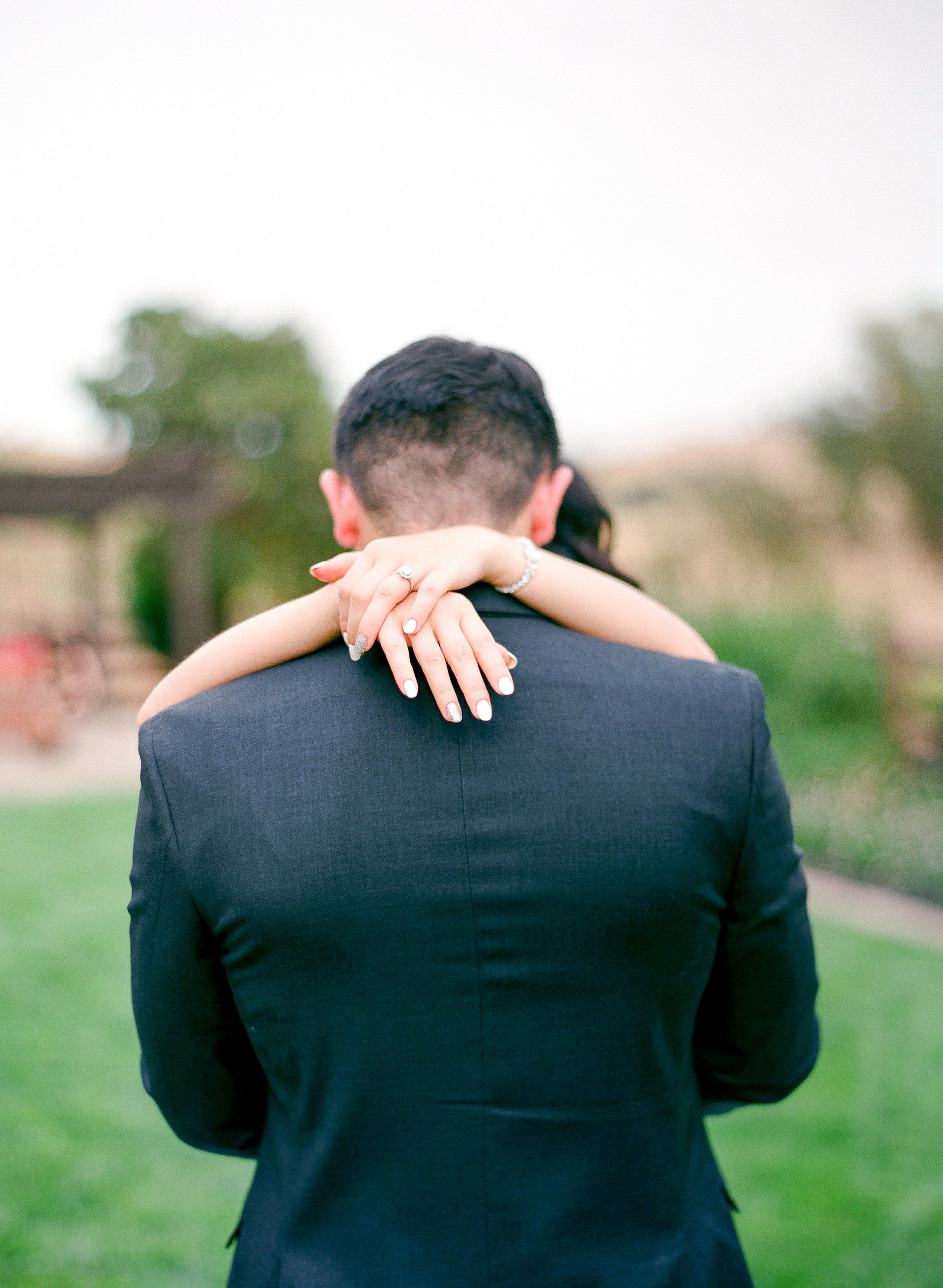 Summer_Couple_Romantic_Rancho_Victoria_Vineyard_Wedding_Northern_California.jpg