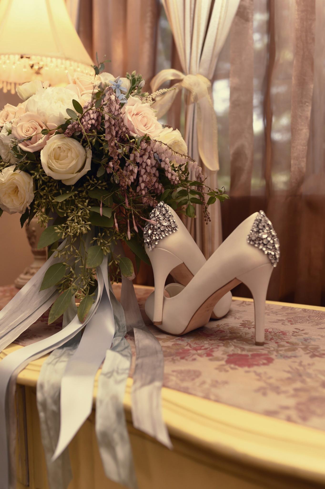 bouquet_heels_wedding_details_violette_fleurs.jpg