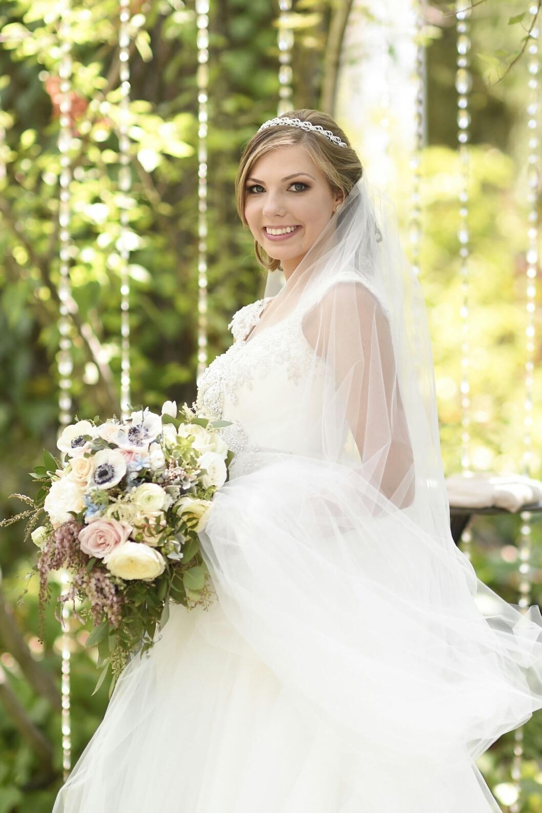 bride_bouquet_blush_blue_violette_fleurs.jpg