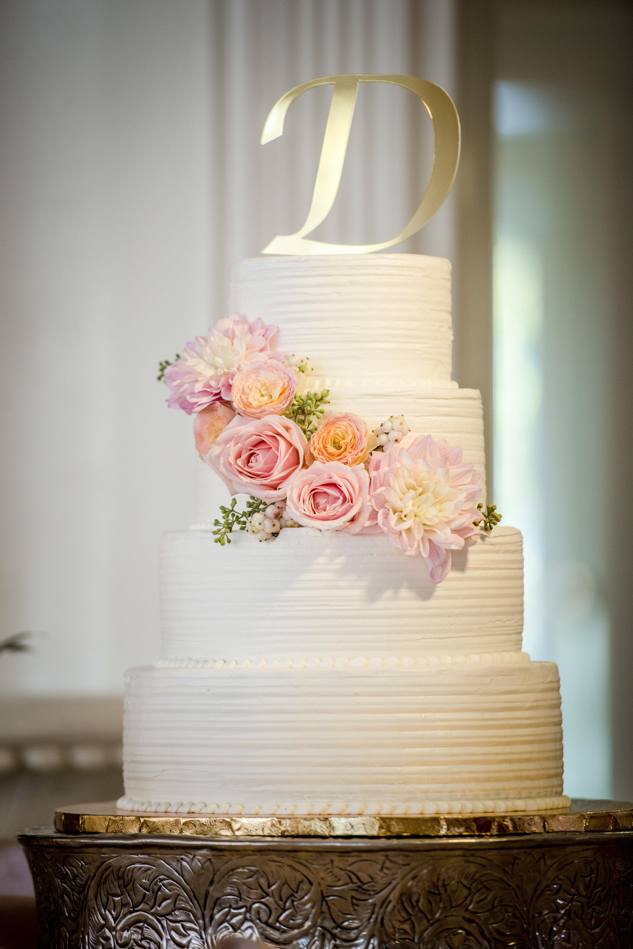 Wedding_Cake_Blush_Garden_Roses_Vizcaya_Sacramento_Violette_Fleurs.jpg