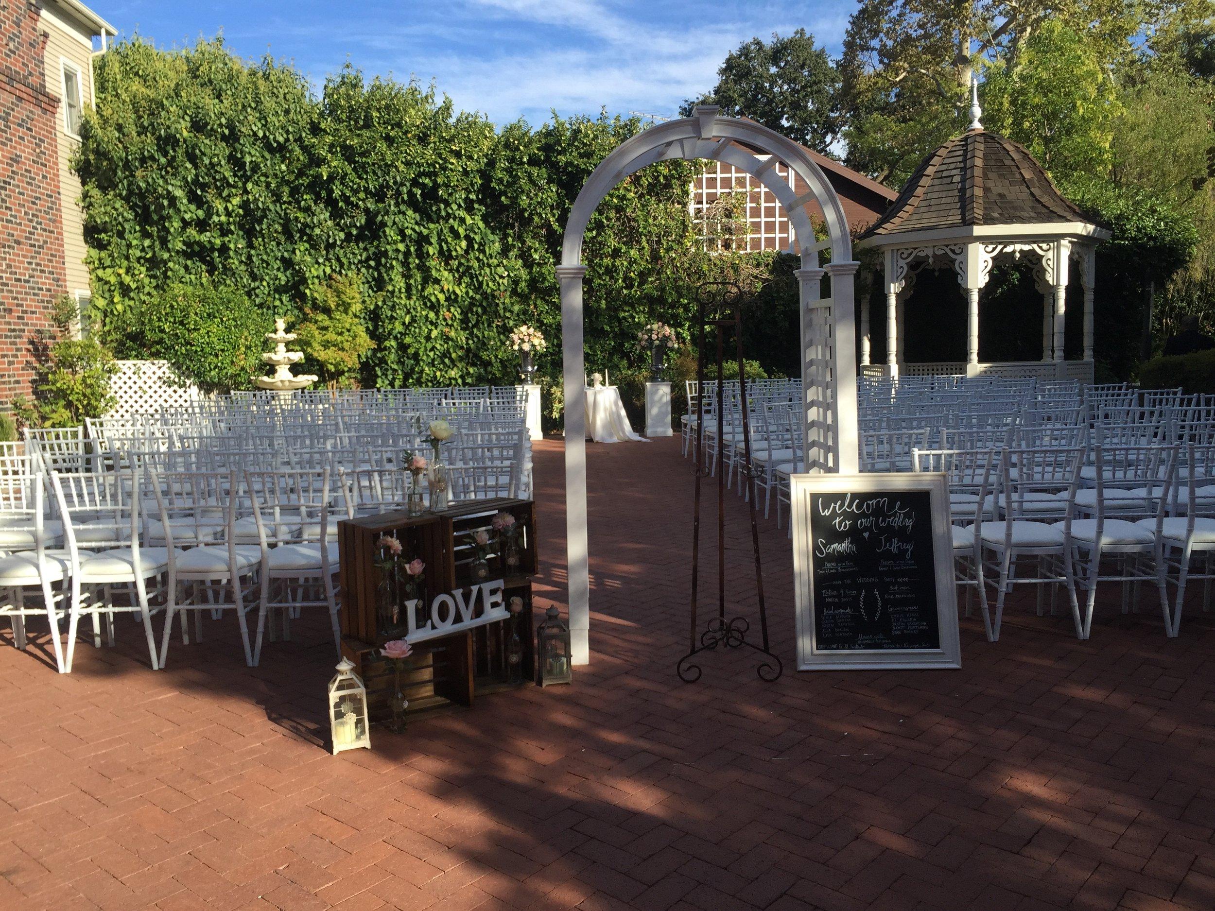 Ceremony_Arch_Vizcaya_Sacramento_Violette_Fleurs.jpg