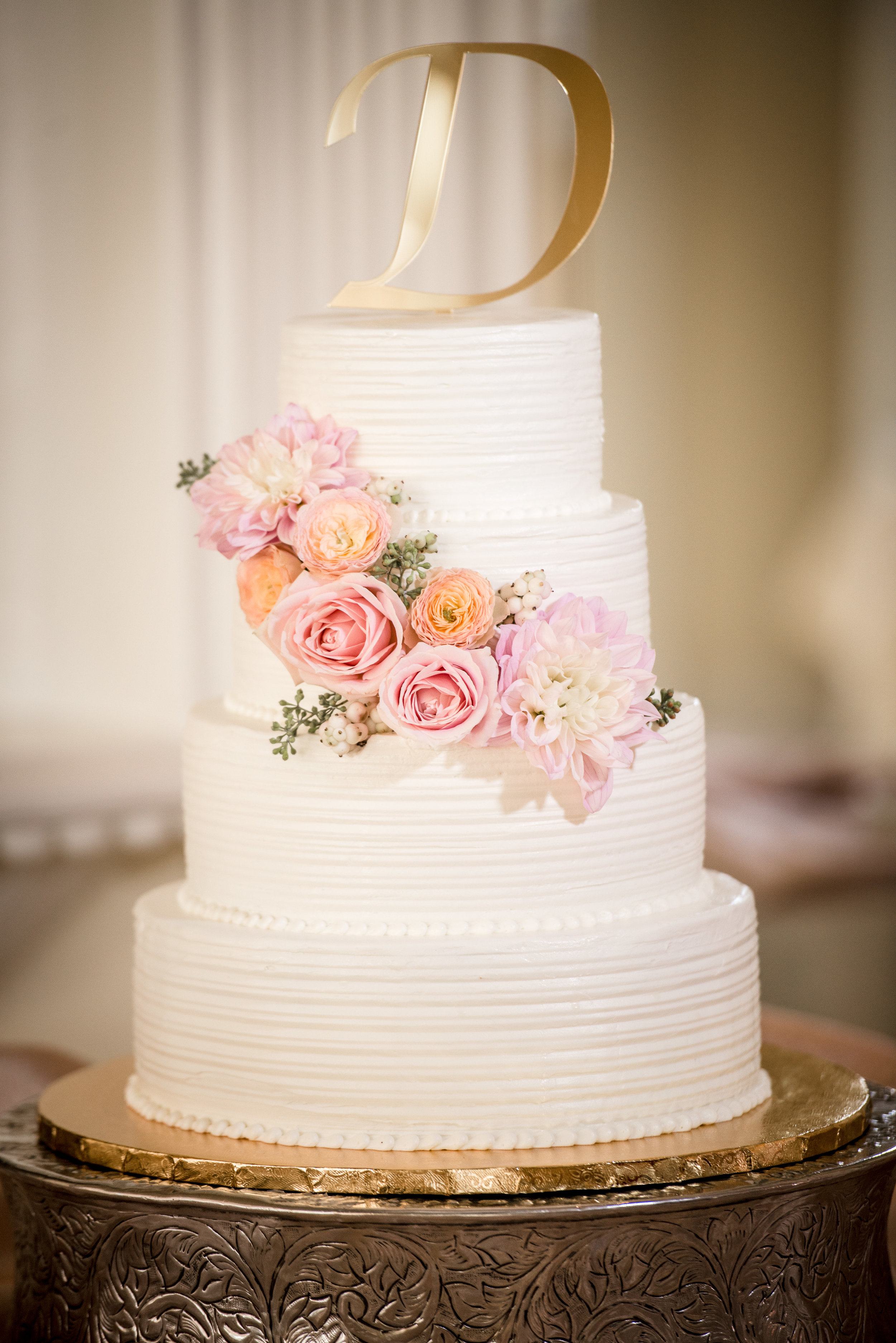 Wedding_Cake_Flowers_Blush_Pink_Vizcaya_Sacramento_Violette_Fleurs.jpg
