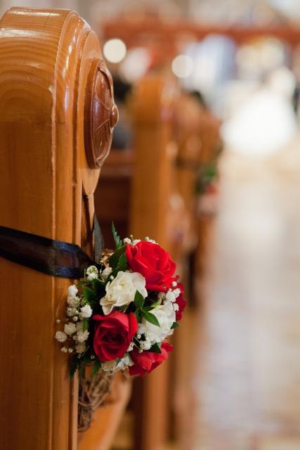 Mini_Roses_Grapevine_Hearts_Aisle_Piece_Cathedral_Of_The_Blessed_Sacrament_Sacramento_Violette_Fleurs.jpeg