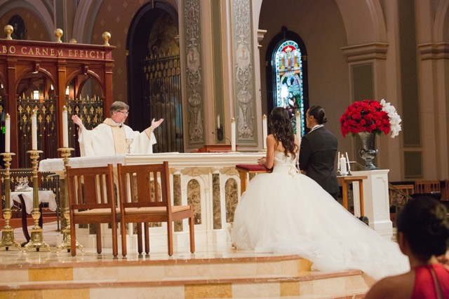Bride_Groom_Classic_Ceremony_Red_Roses_Cathedral_Of_The_Blessed_Sacrament_Sacramento_Violette_Fleurs.jpeg