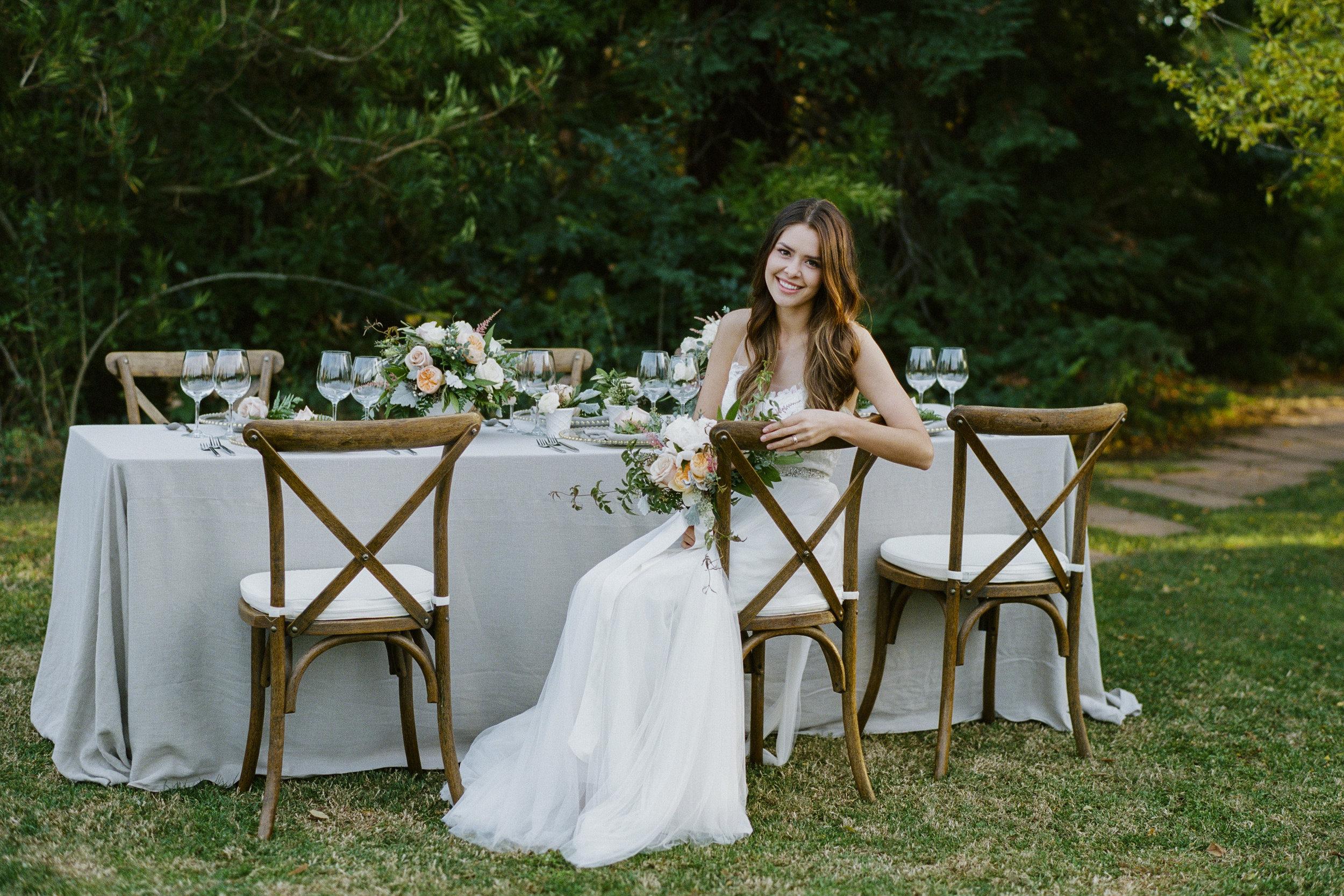 blush_flowers_tablescape_upscale_luxury_wedding_flowers_.jpg