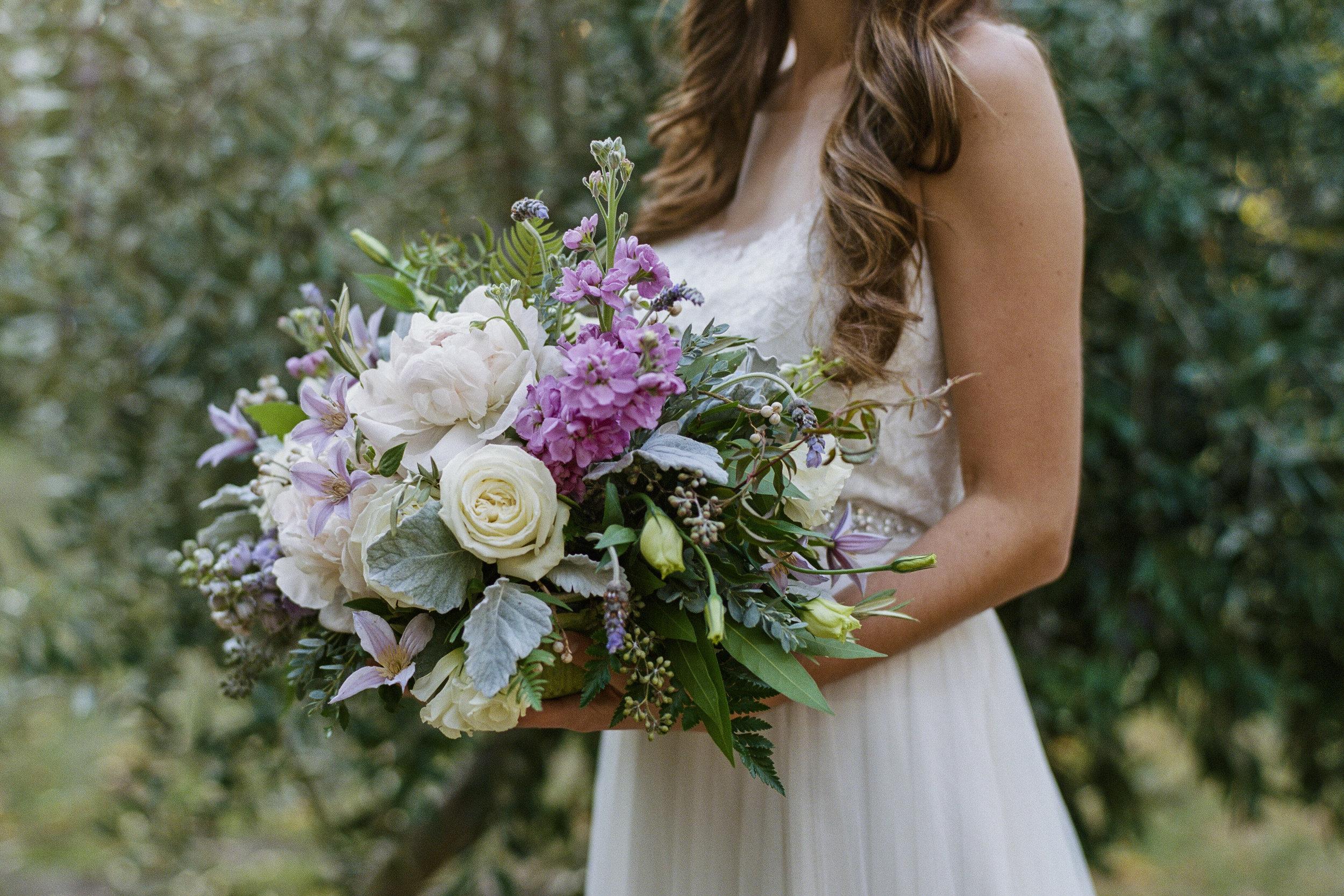 Violette-fleurs-roseville-sacramento-california-wedding-florist-spring-purples-centerpiece.jpg