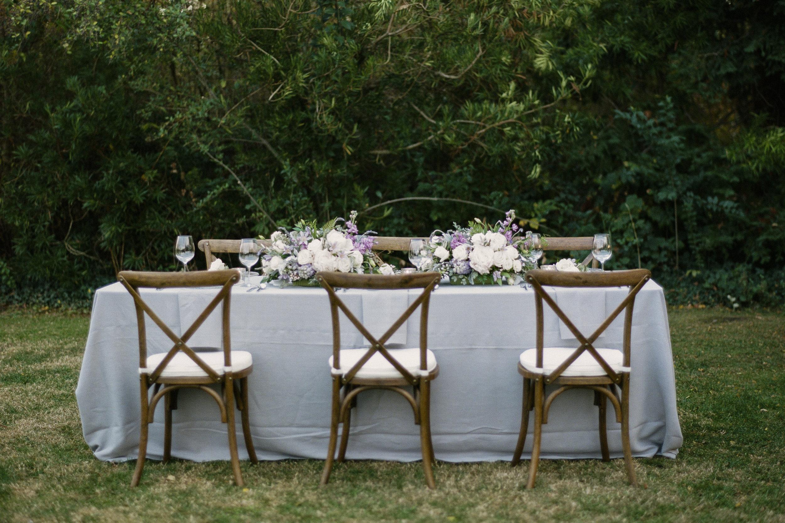 Violette-fleurs-roseville-sacramento-california-Flower-farm-inn-wedding-florist-spring-tablescape-gray.jpg