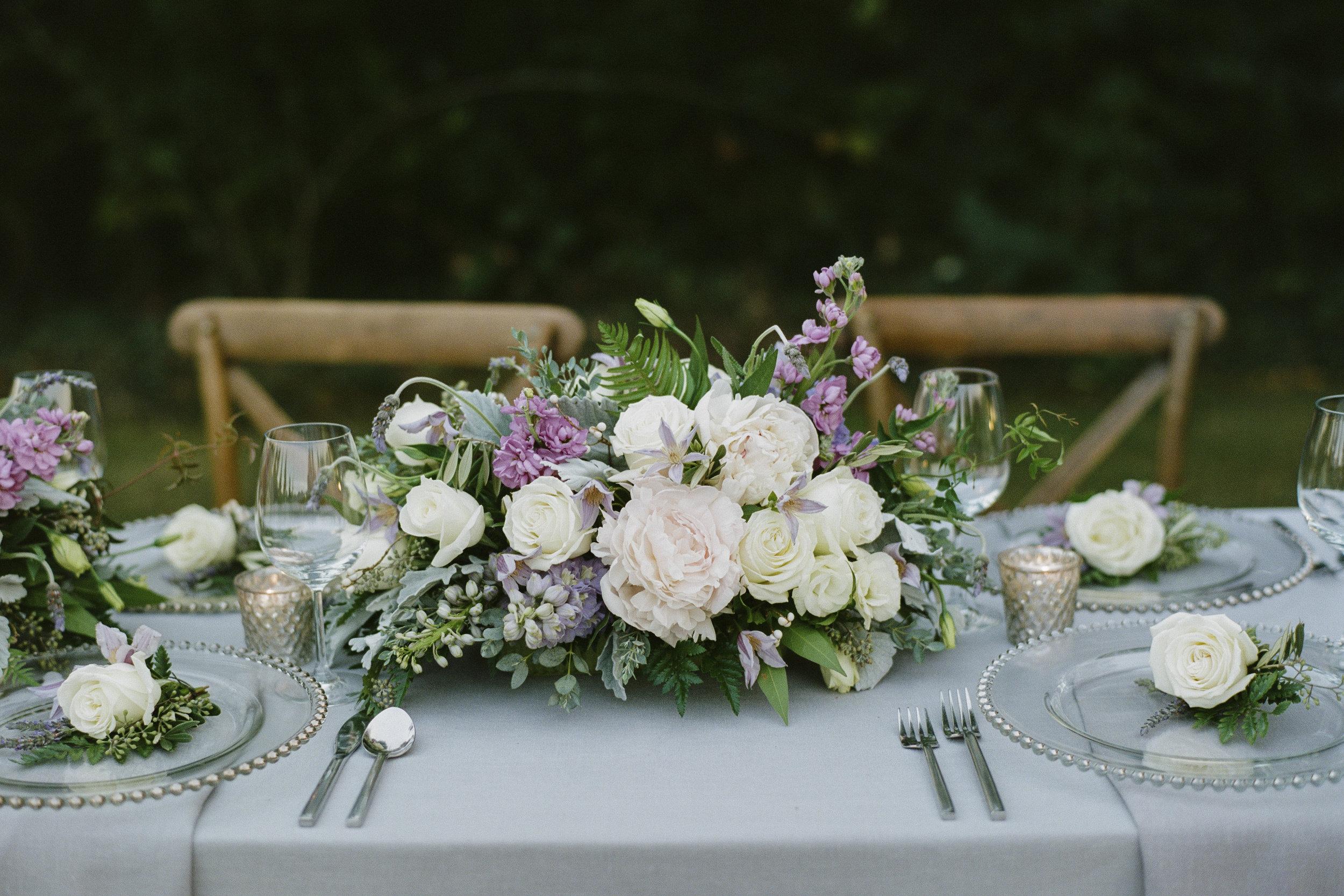 Violette-fleurs-roseville-sacramento-california-Flower-farm-inn-wedding-florist-spring-tablescape-blush-purples-pinks-elegant-upscale-table-design.jpg