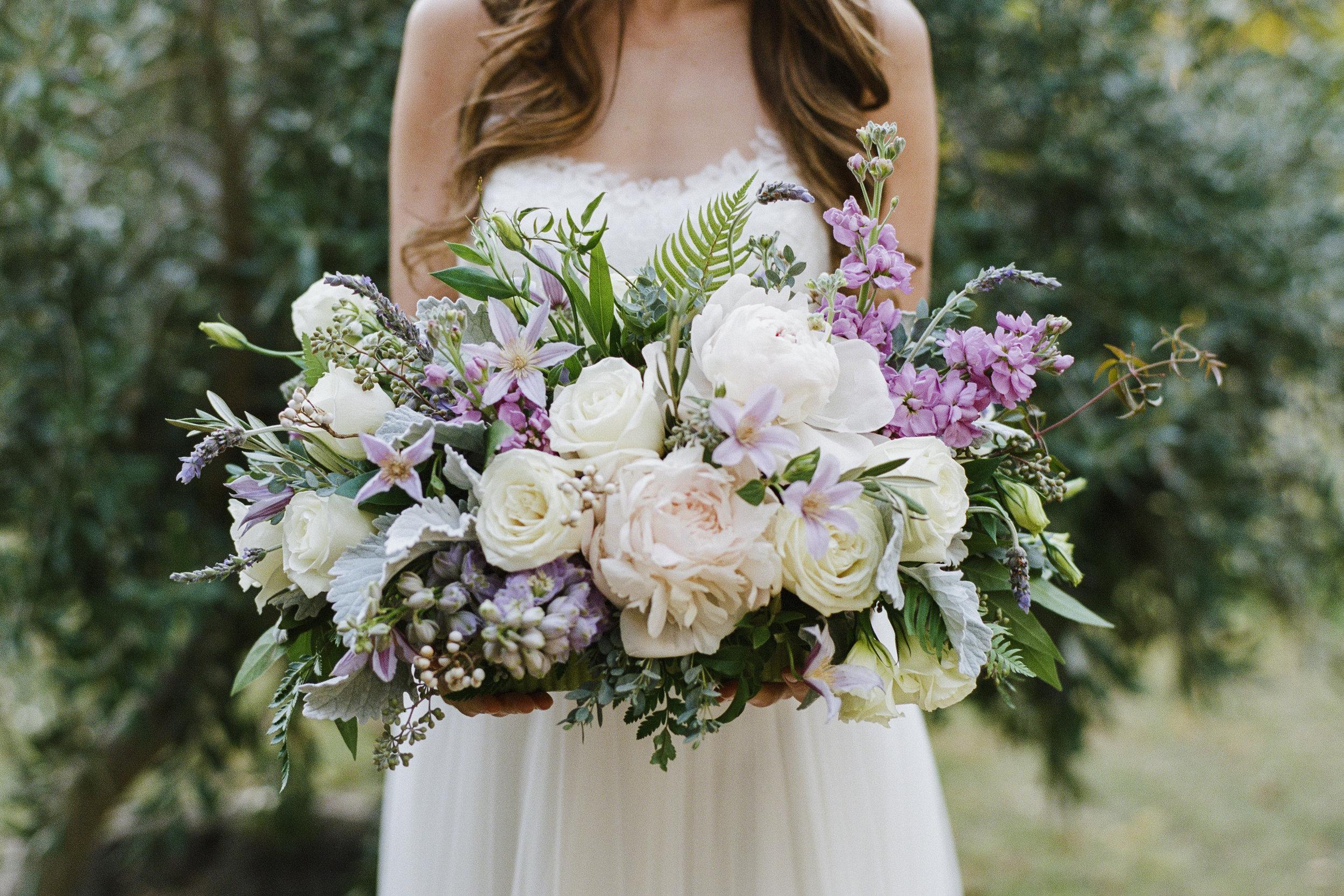 Violette-fleurs-roseville-sacramento-california-Flower-farm-inn-wedding-florist-spring-tablescape-blush-purple-lavender.jpg