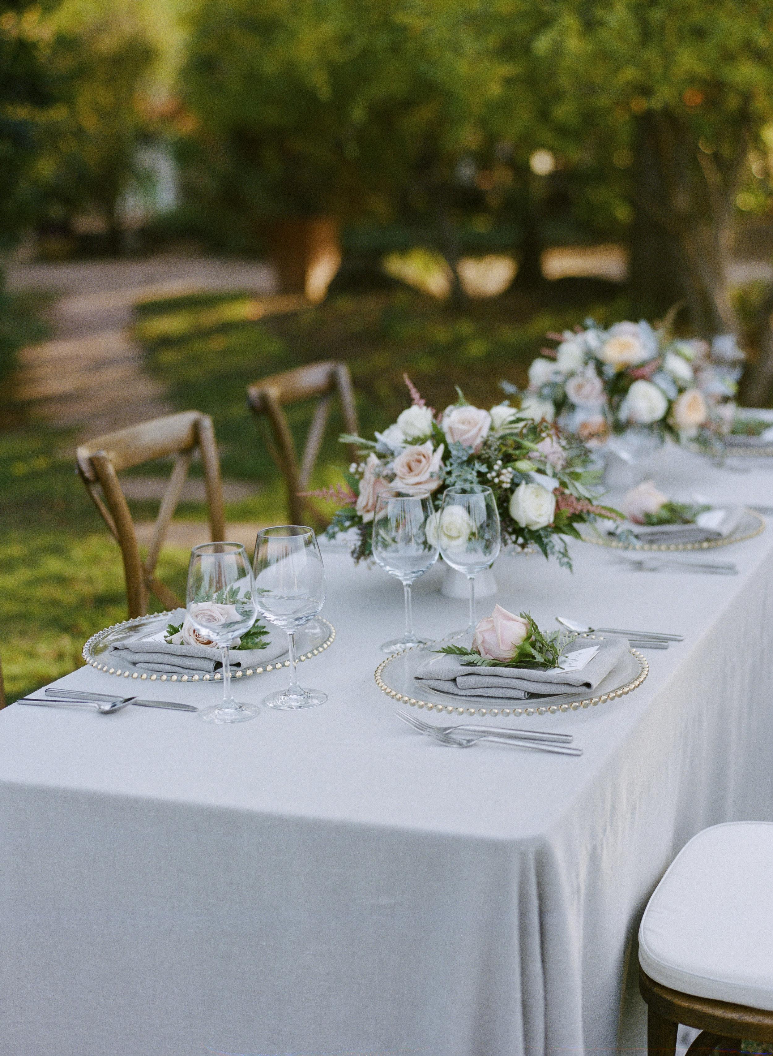 Violette-fleurs-roseville-sacramento-california-Flower-farm-inn-wedding-florist-spring-tablescape-blush-peachgray.jpg