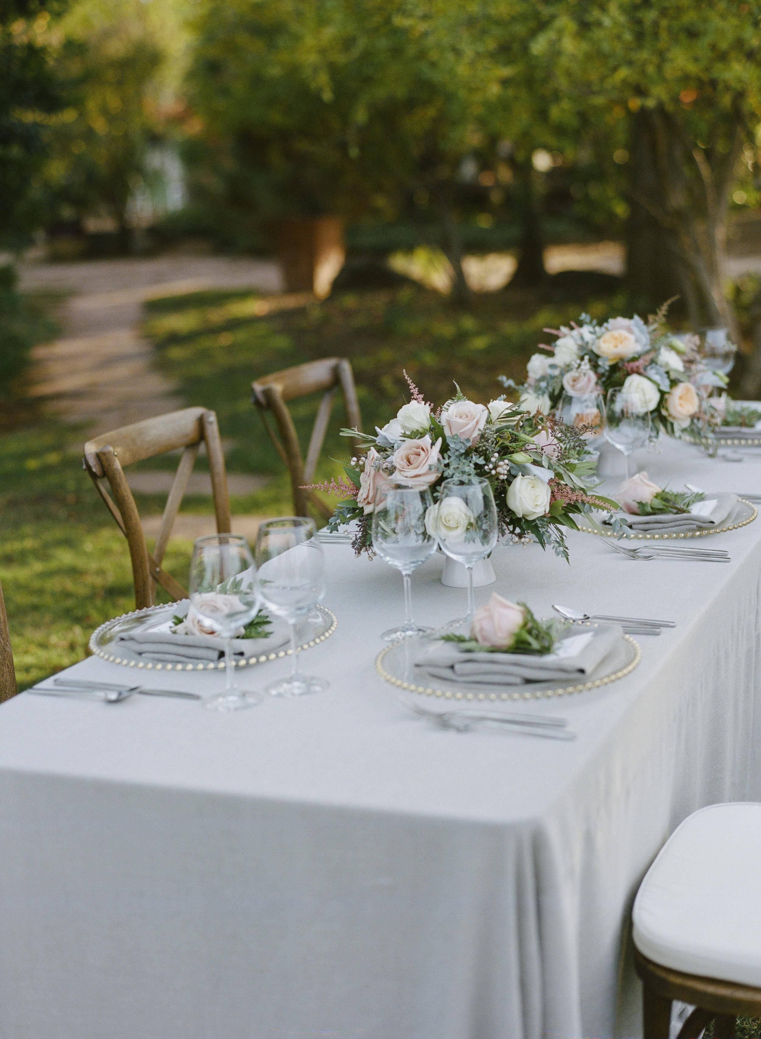 Violette-fleurs-roseville-sacramento-california-Flower-farm-inn-wedding-florist-spring-tablescape-blush-peach-gray-sideview-sacramento.jpg