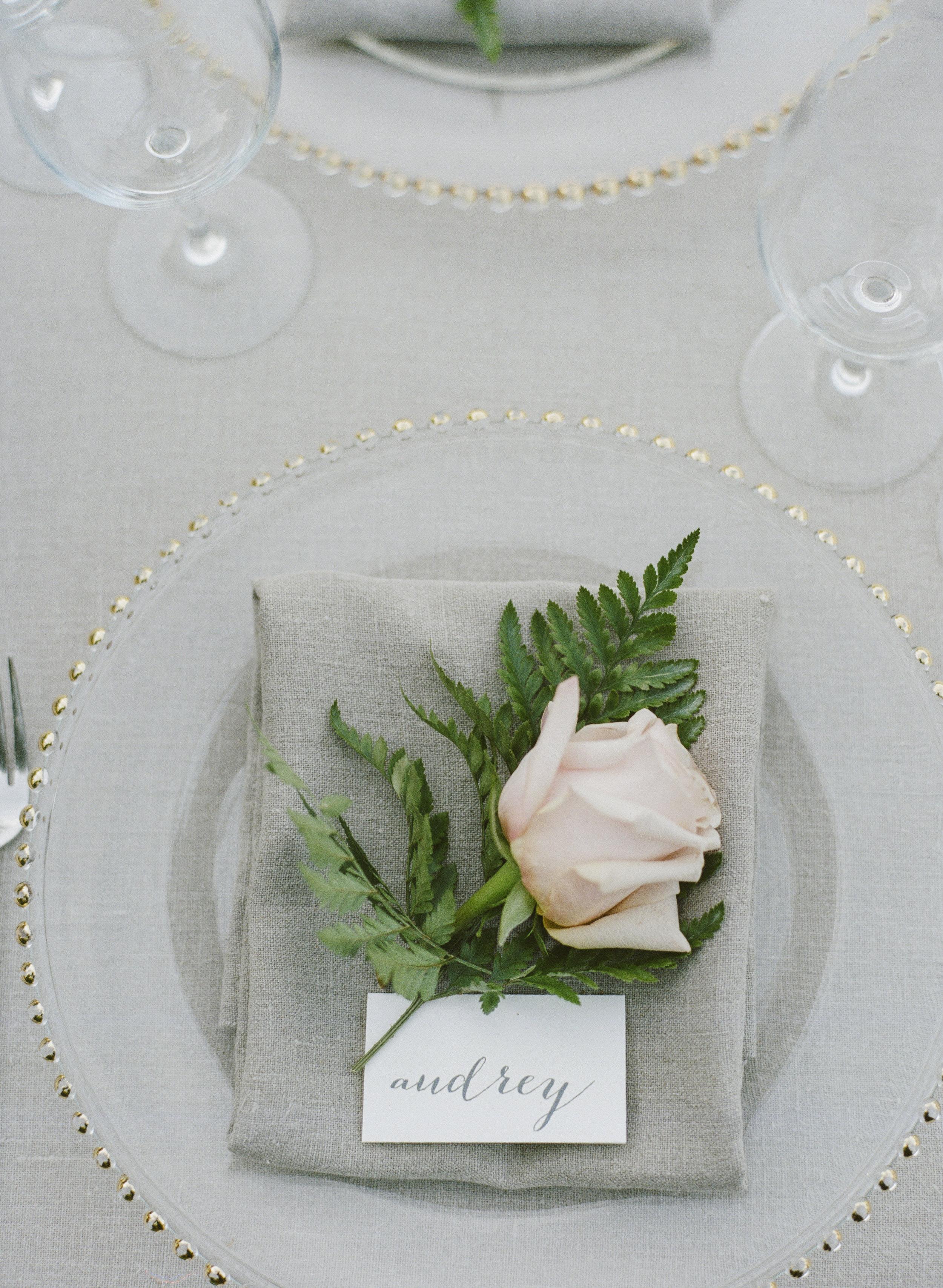 Violette-fleurs-roseville-sacramento-california-Flower-farm-inn-wedding-florist-spring-tablescape-blush-peach-detail-shots-closeups.jpg