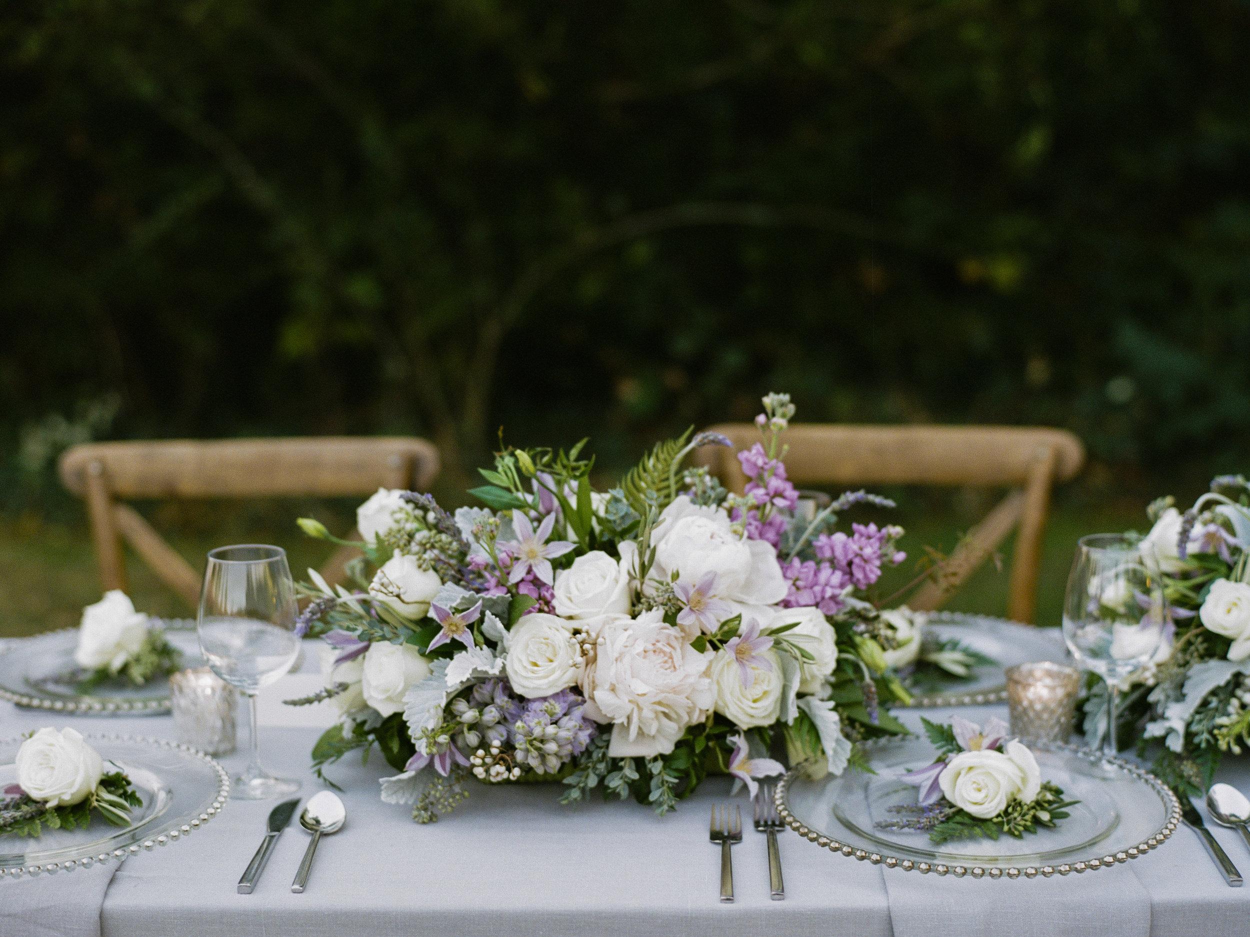 Violette-fleurs-roseville-sacramento-california-Flower-farm-inn-upscale-elegant-wedding-florist-spring-tablescape-blush-purples.jpg
