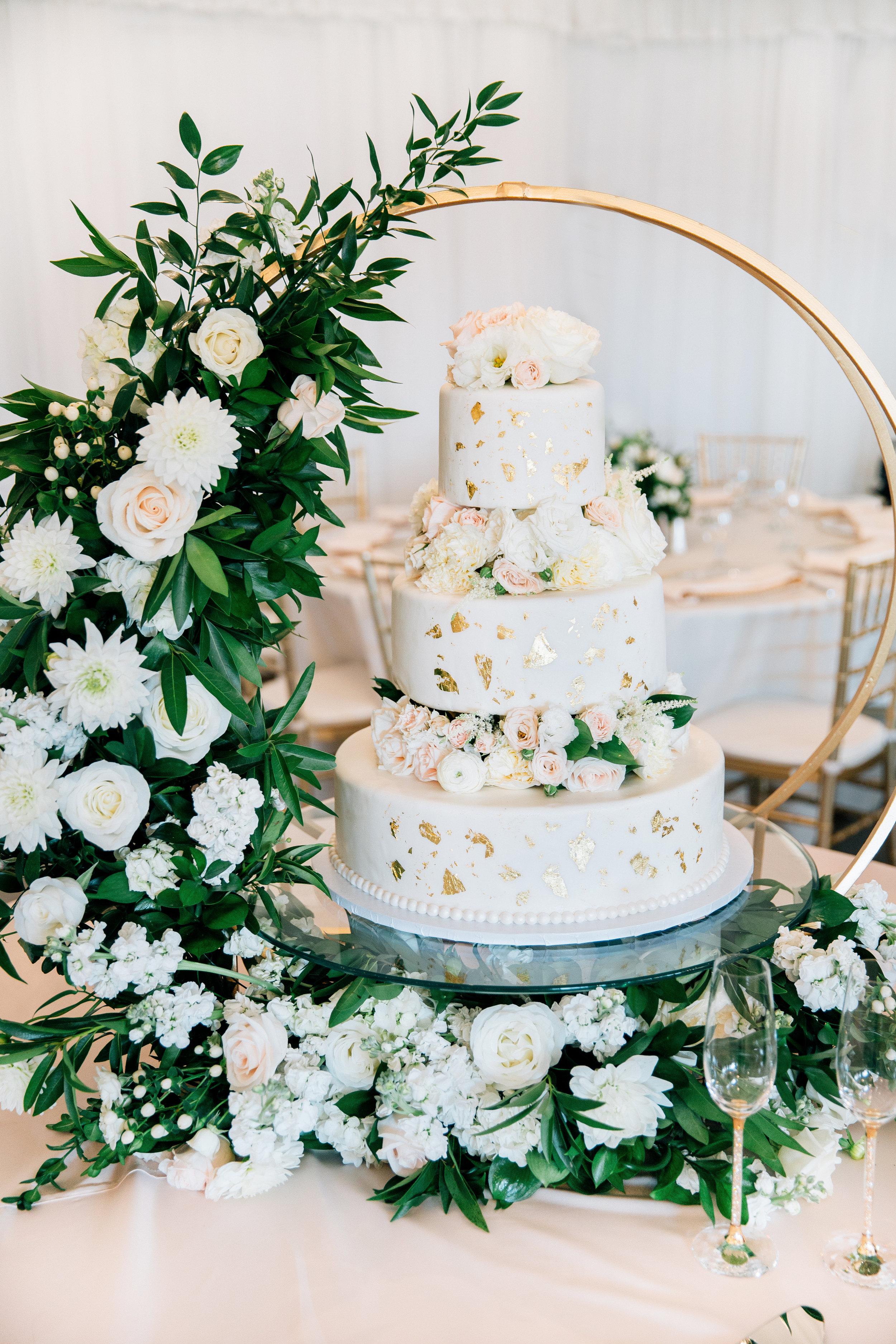 cake_round_stand_flowers_upscale_classic_reception_violette_fleurs_anna_perevertaylo.jpg