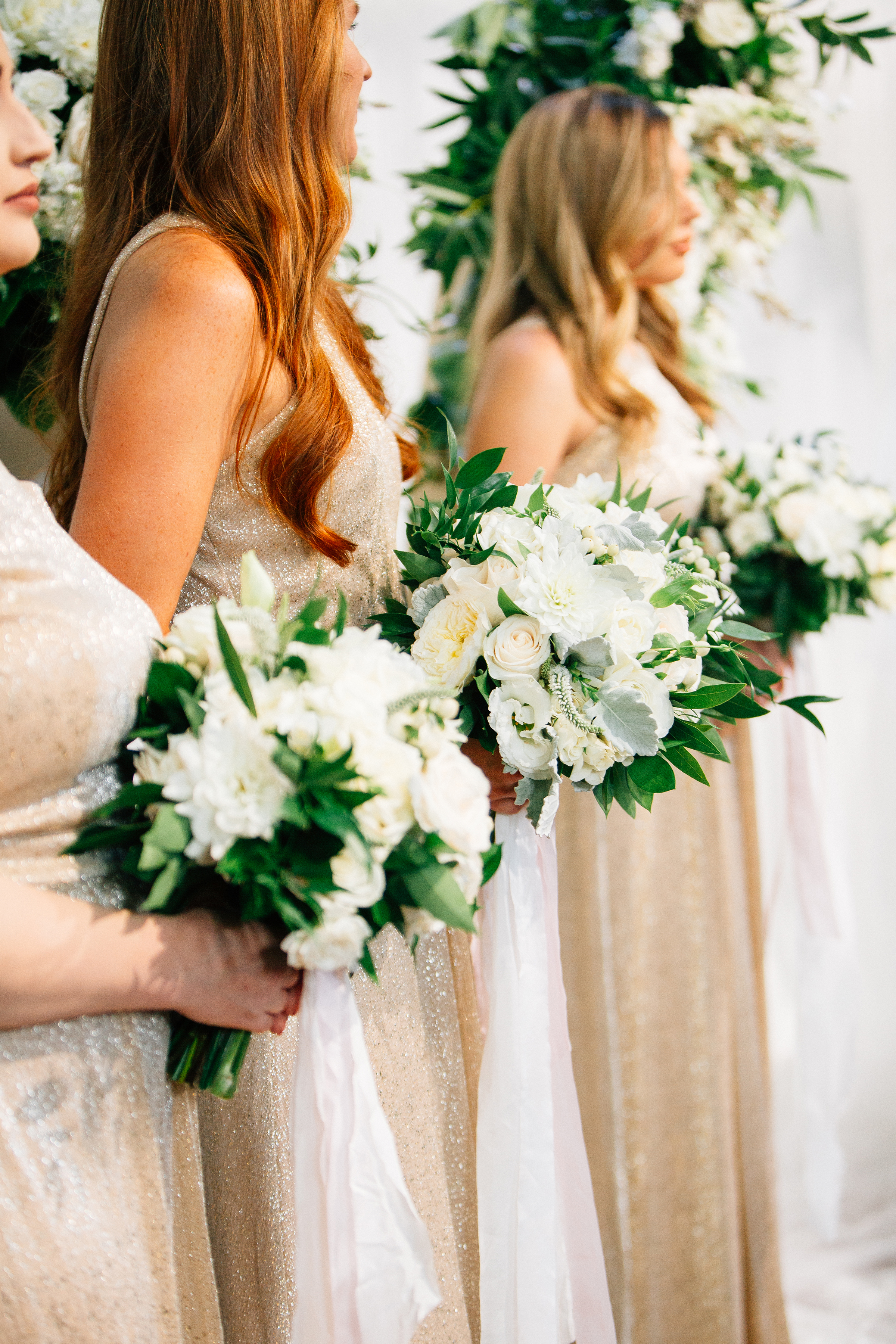 bridesmaid_bouquets_champagne_dress_sacramento_traditional_violette_fleurs_anna_perevertaylo.jpg