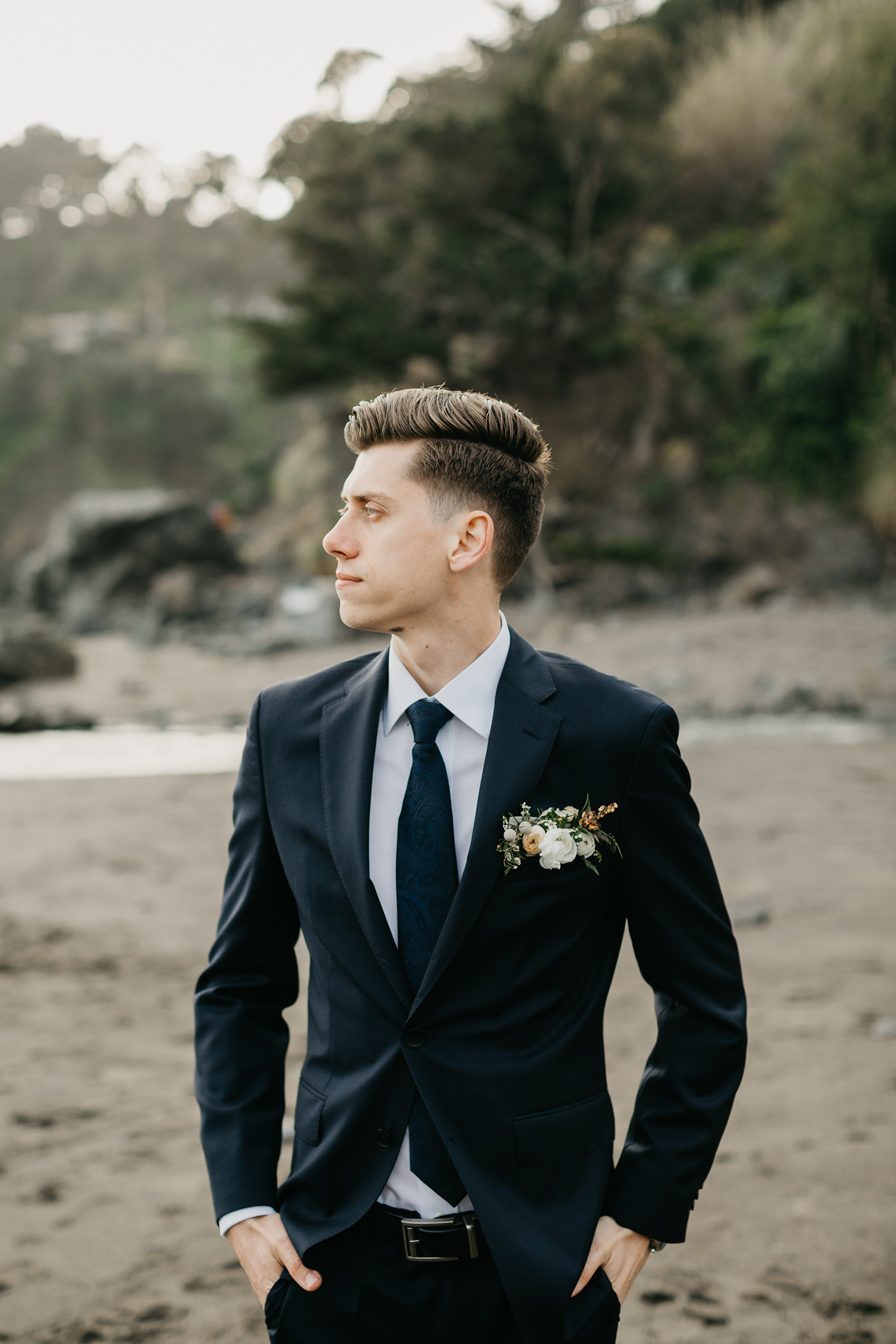 Violette-fleurs-event-design-roseville-Nelli-noel-photography-the-falls-event-center-Groom-details-pocket-square-ocean.jpg