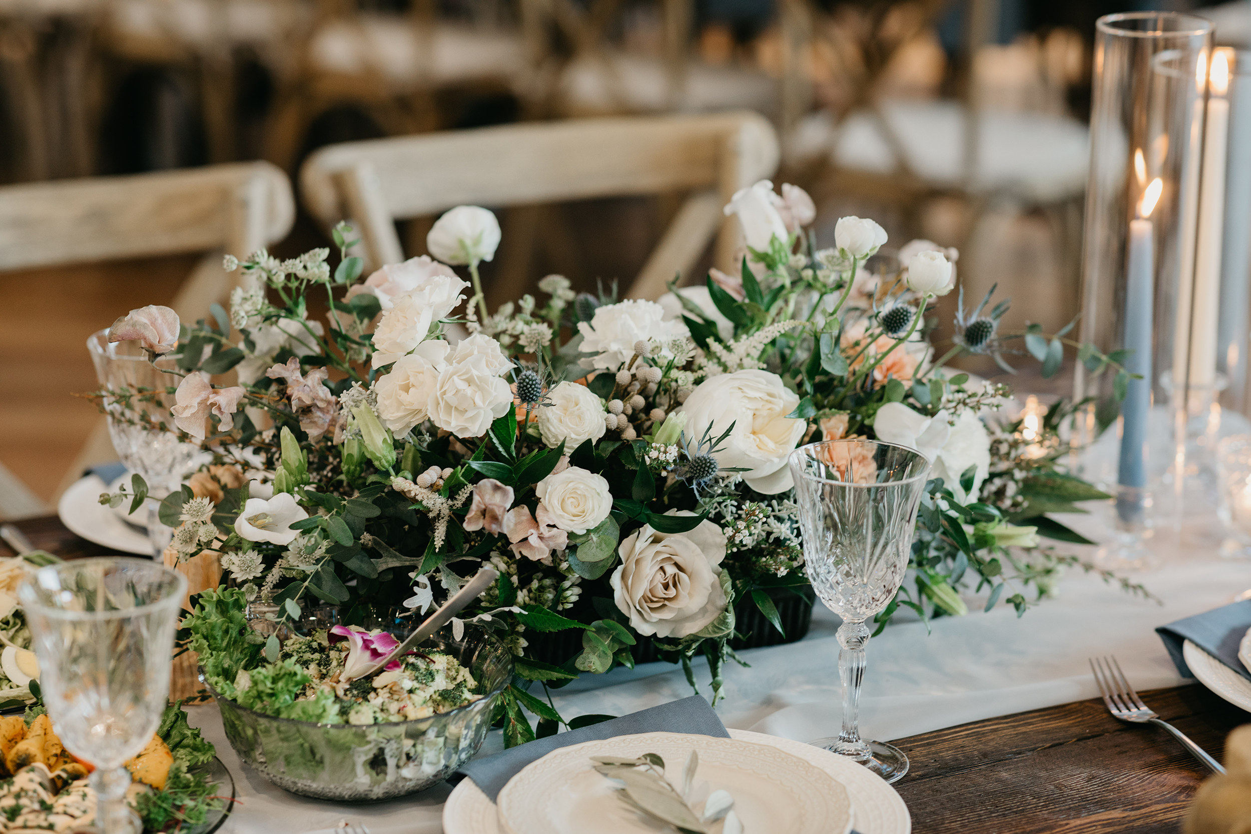 Violette-fleurs-event-design-roseville-Nelli-noel-photography-the-falls-event-center-Curated-table-centerpieces-reception.jpg
