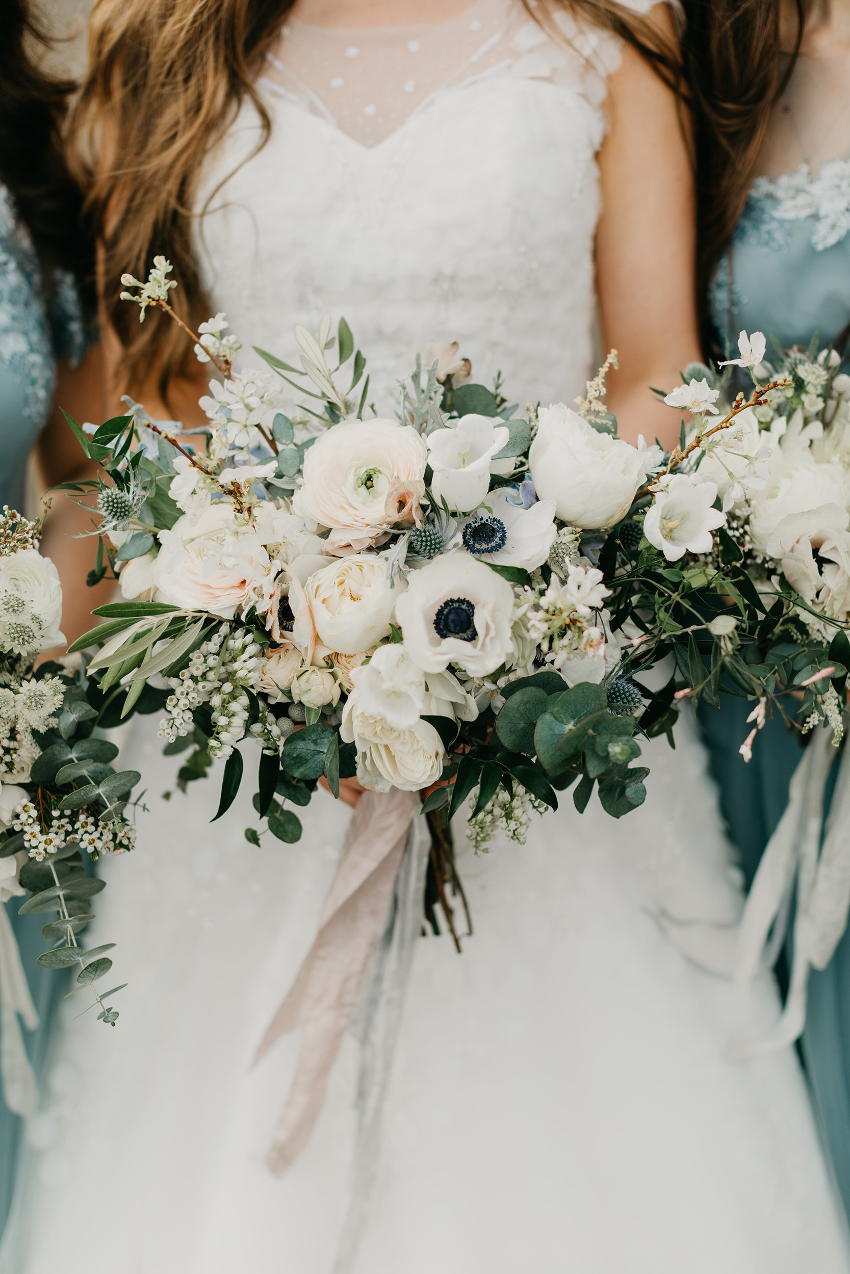Violette-fleurs-event-design-roseville-Nelli-noel-photography-the-falls-event-center-Curated-bride-bouquet-lush-whimsical.jpg