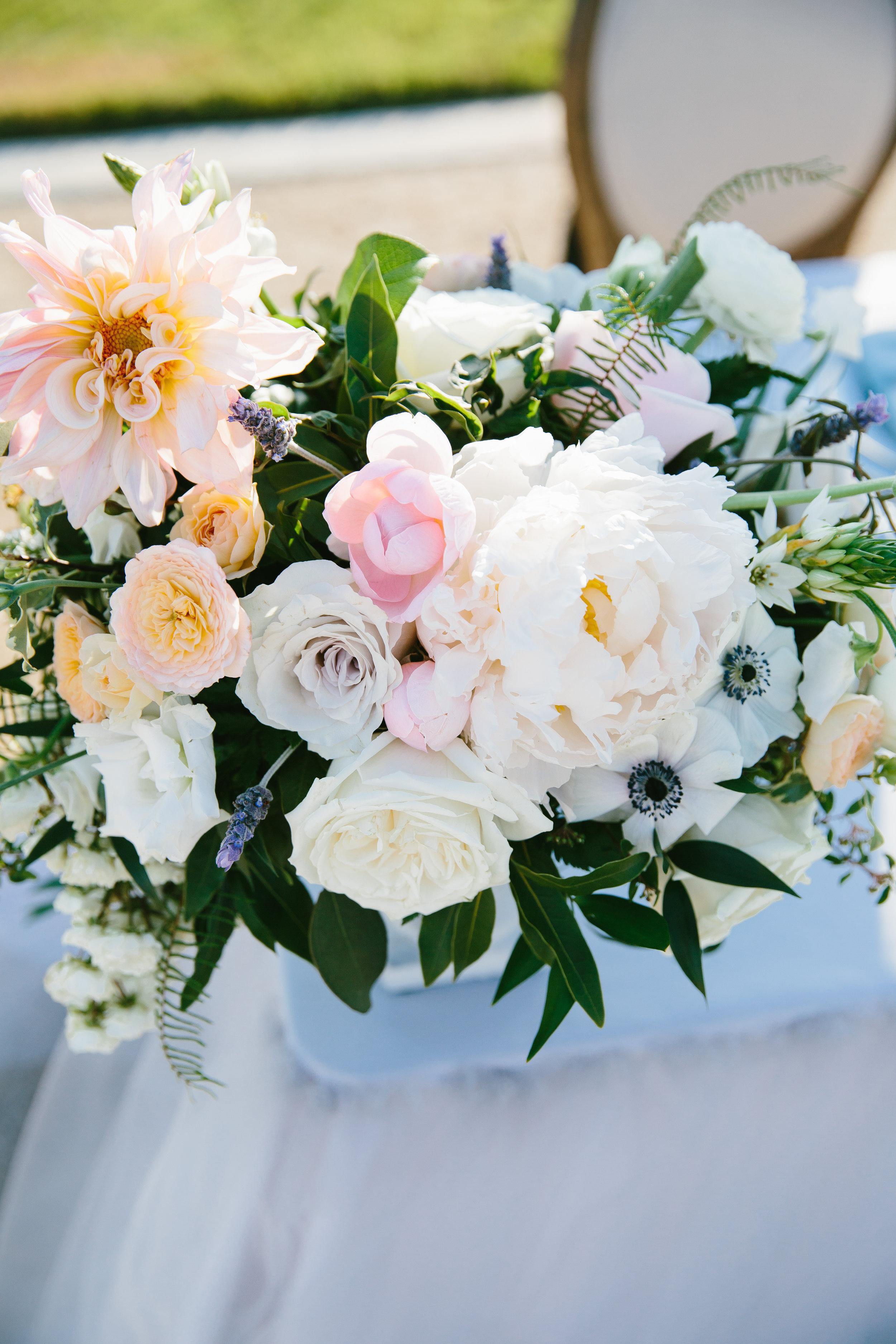 Violette-fleurs-event-design-roseville-anna-perevertaylo-rancho-robles-vinyards-Flowers-Destination-Decor-Florist-sweetheart-table.jpg