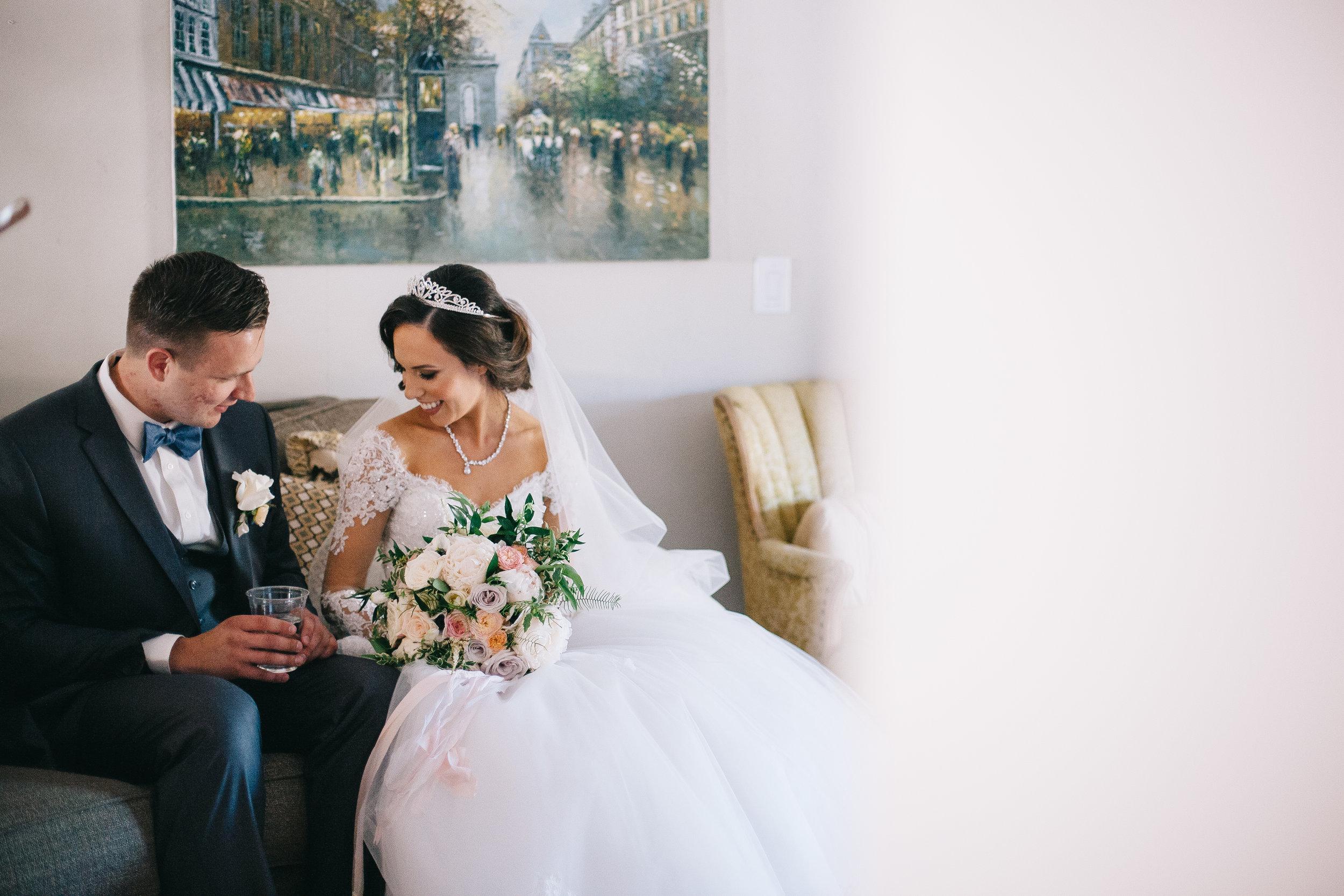 Violette-fleurs-event-design-roseville-anna-perevertaylo-rancho-robles-vinyards-Detail-Destination-Florist-Unforgettable-Traditional-Upscale-bride-groom-bouquet-boutonniere.jpg
