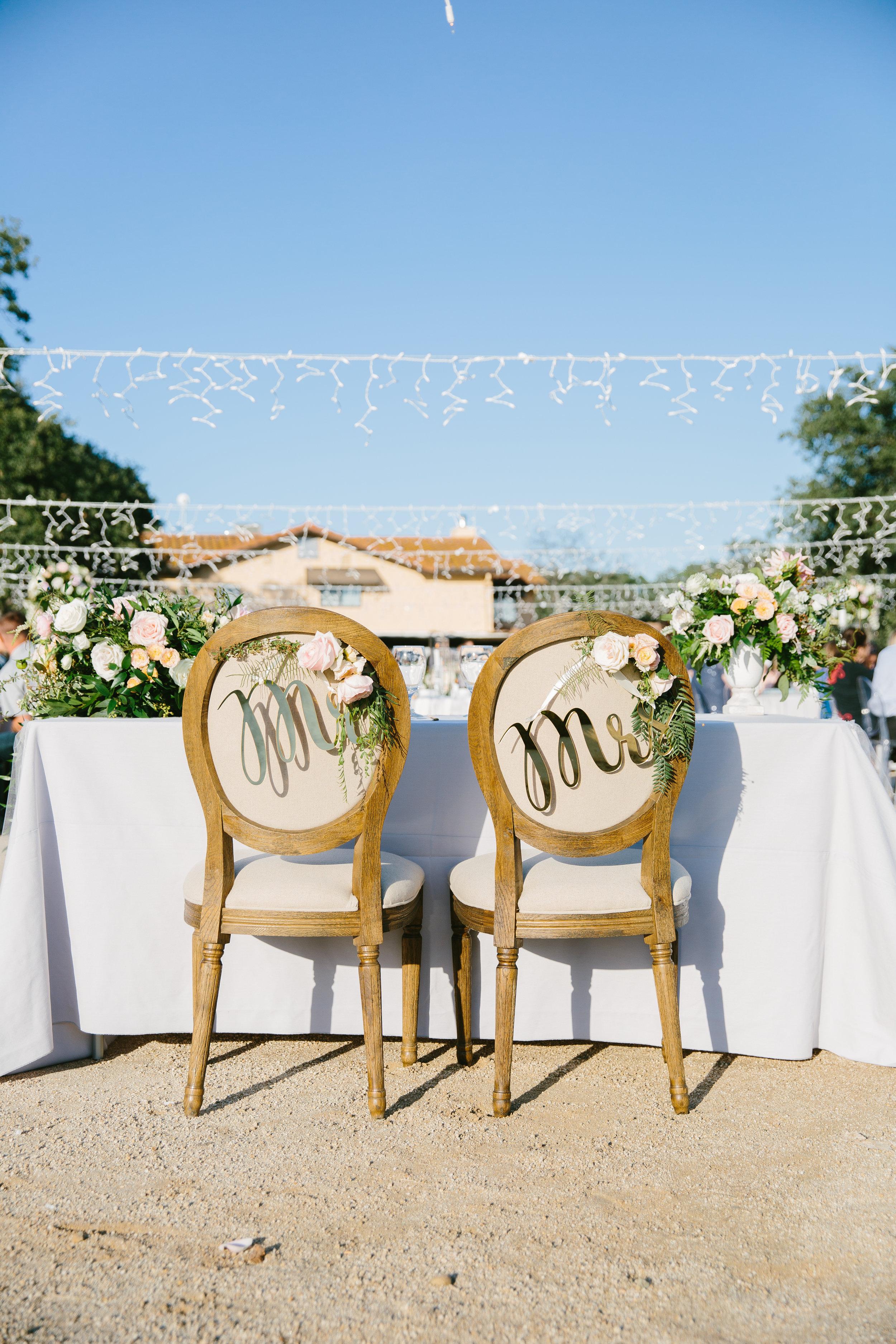 Violette-fleurs-event-design-roseville-anna-perevertaylo-rancho-robles-vinyards-Bliss-Flowers-Traditional-Luxury-Design-chari.jpg