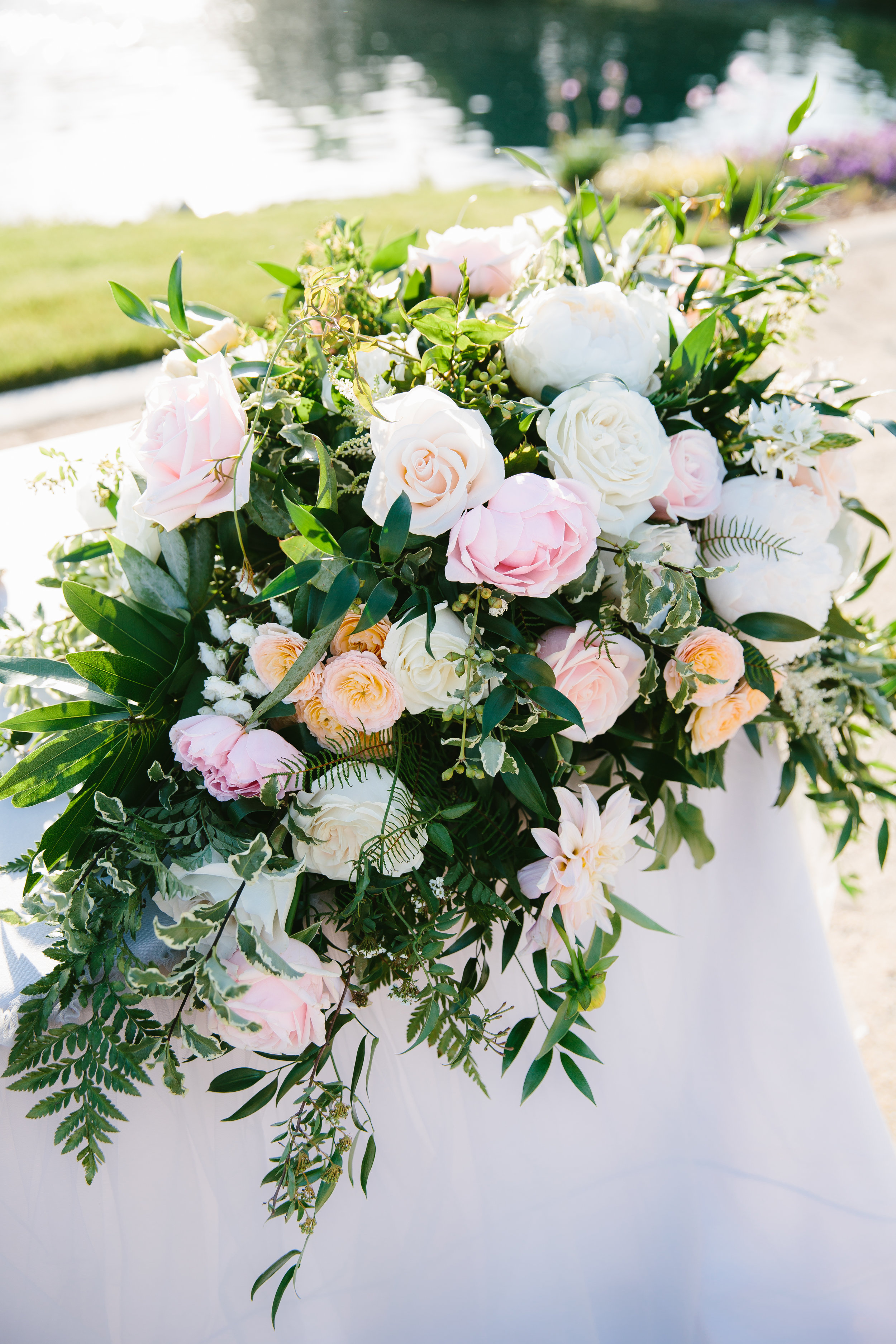 Violette-fleurs-event-design-roseville-anna-perevertaylo-rancho-robles-vinyards-California-Classic-Bride-groom-upscale-florist-sweetheart-table.jpg