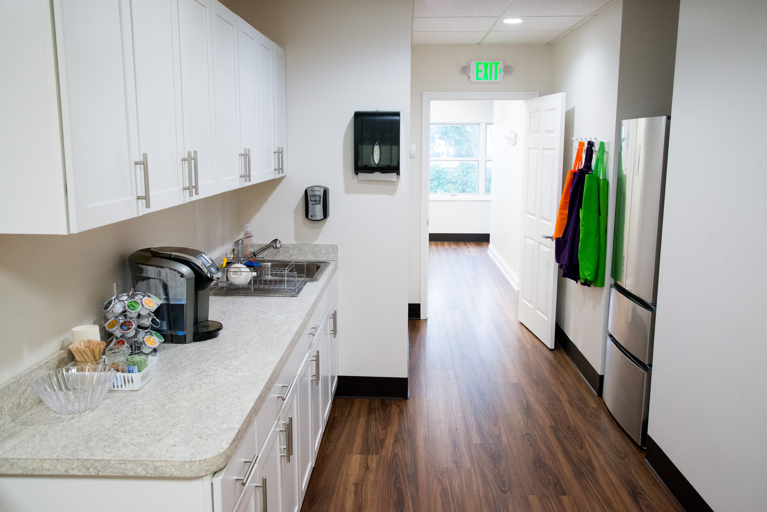 Kitchen - Entrance to Hallway.jpg