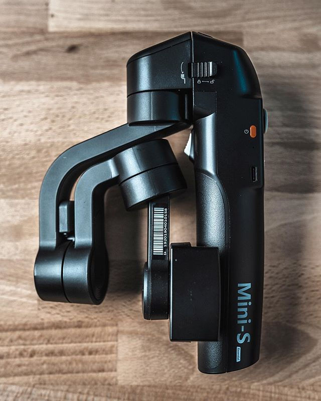We all have tools we use to get our jobs done. The tools I use are super fun though.  This is an absolute beast of a smartphone gimbal.  If you're in the market I suggest you check out the @gudsenmoza Mini-S. Or just stay tuned for a special announcement. . . . . . #filmmaker #gimbal #smartphonegimbal #cameragear