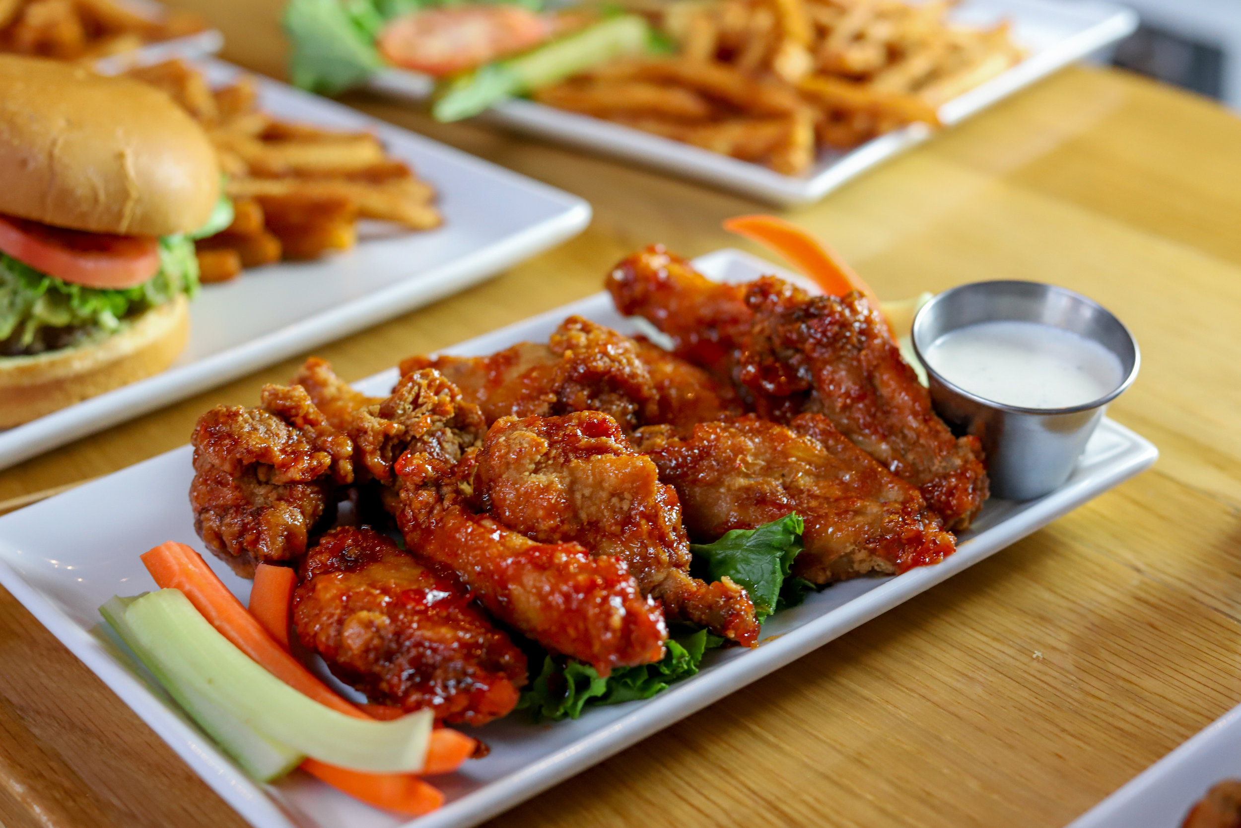 Sweet Sriracha Chicken Wings