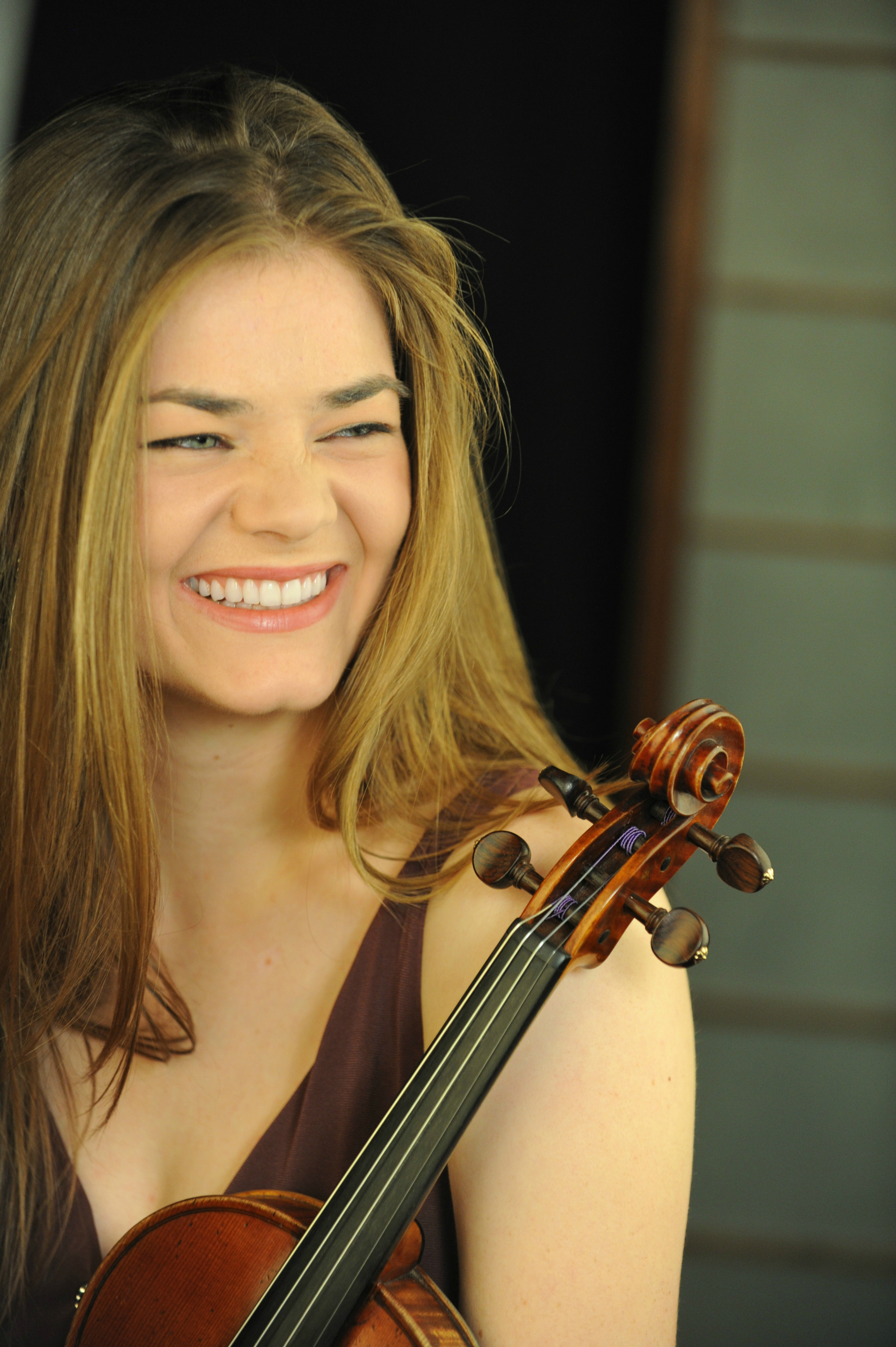 Becky Anderson - violinist