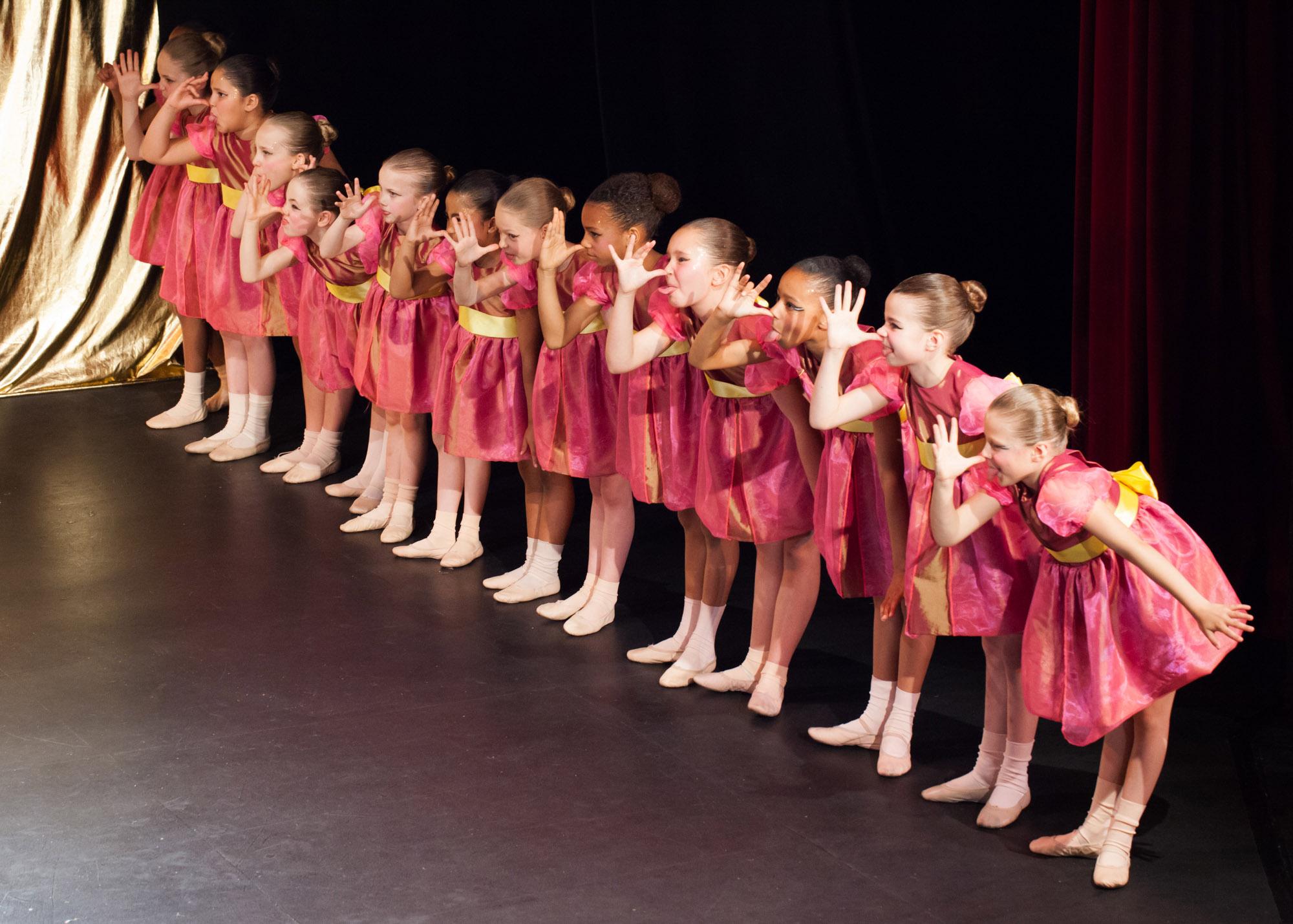 Ballet School London Show Swan Lake 19.jpg