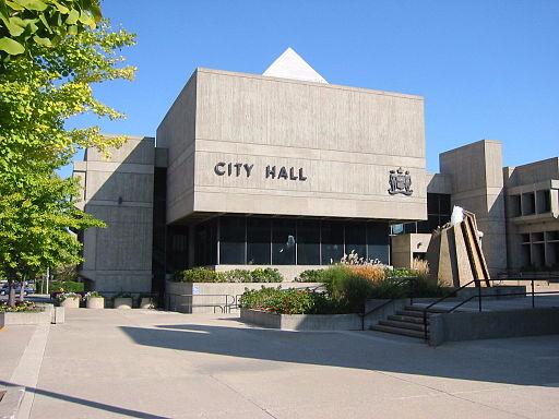 512px-Brantford_city_hall.jpg