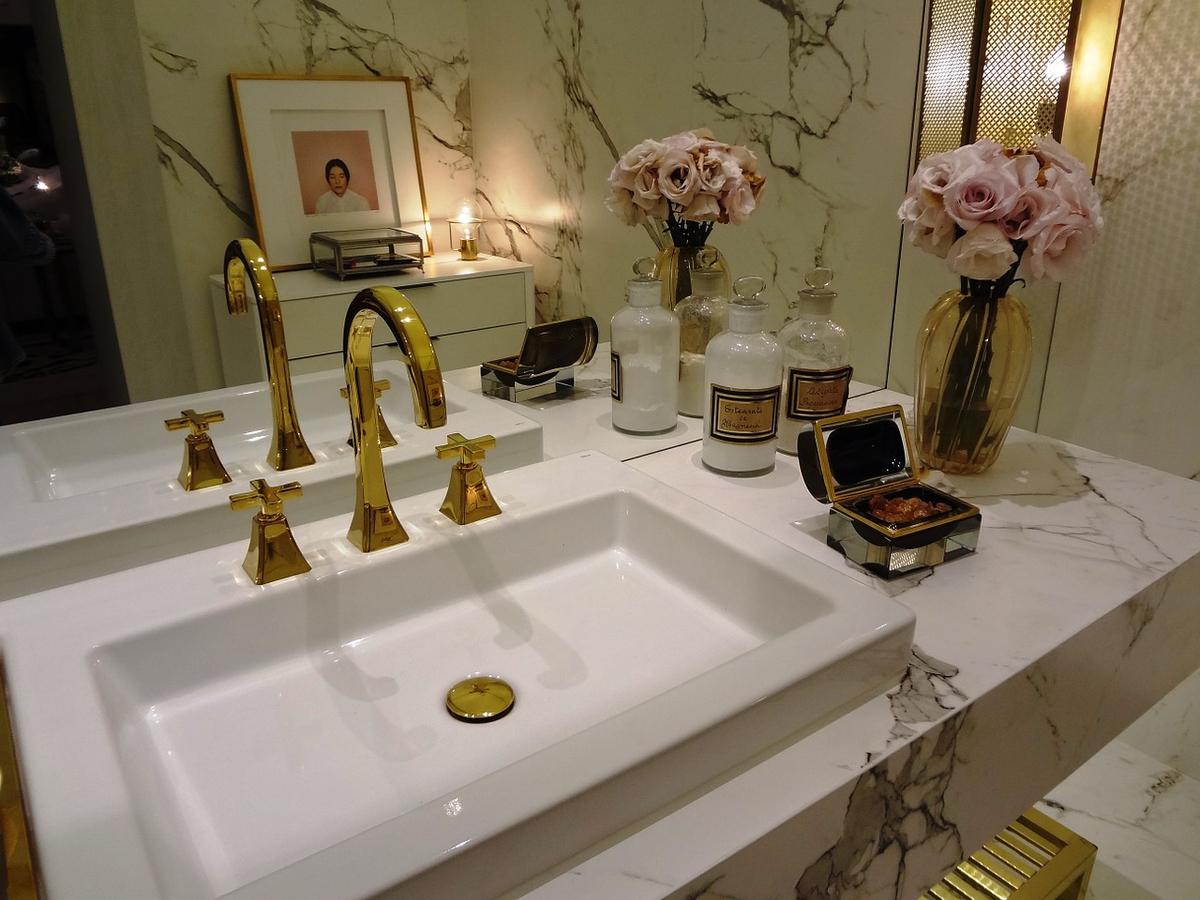 bathroom-809820_1280.jpg