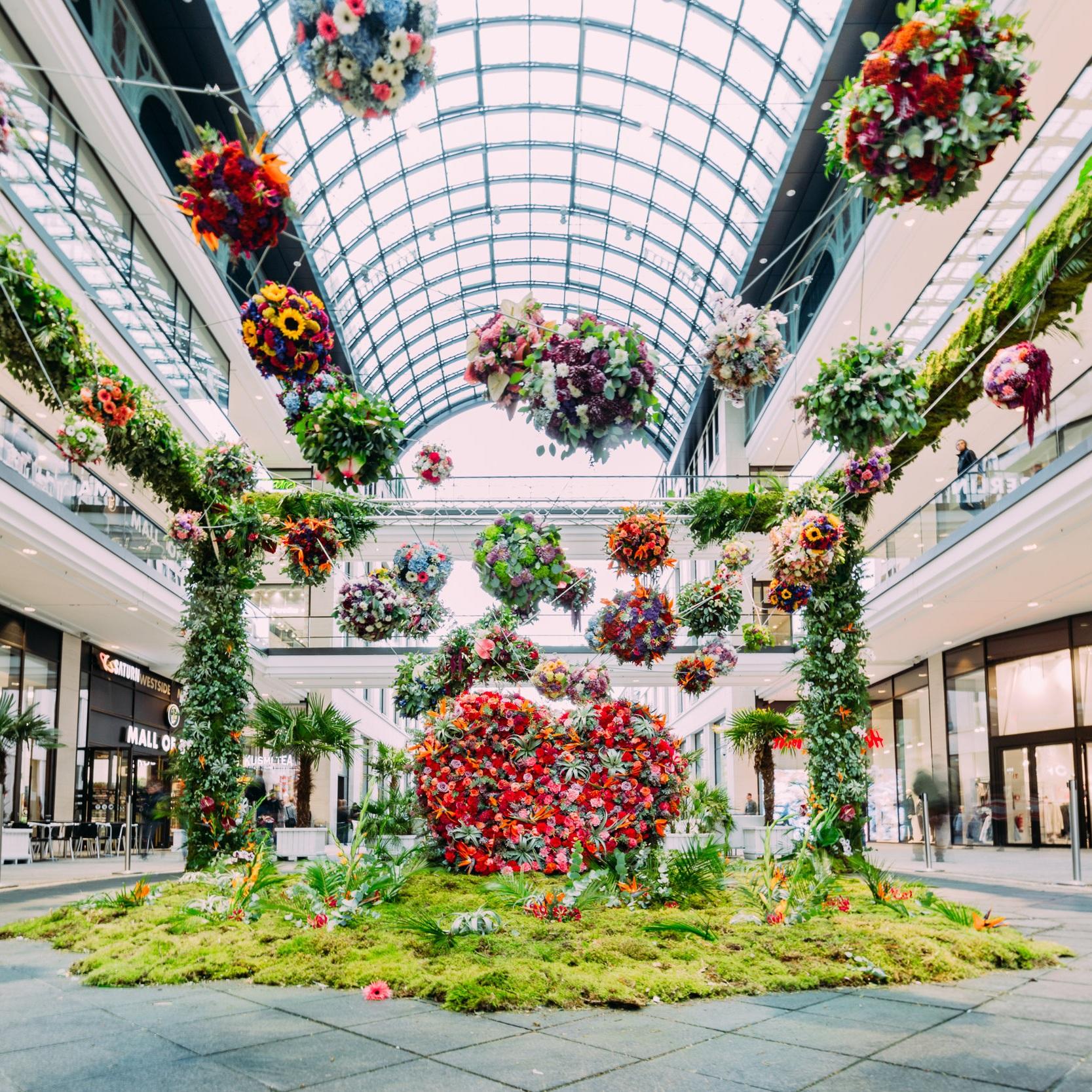 Installation mit 9000 Blumen für tollwasblumenmachen.de -