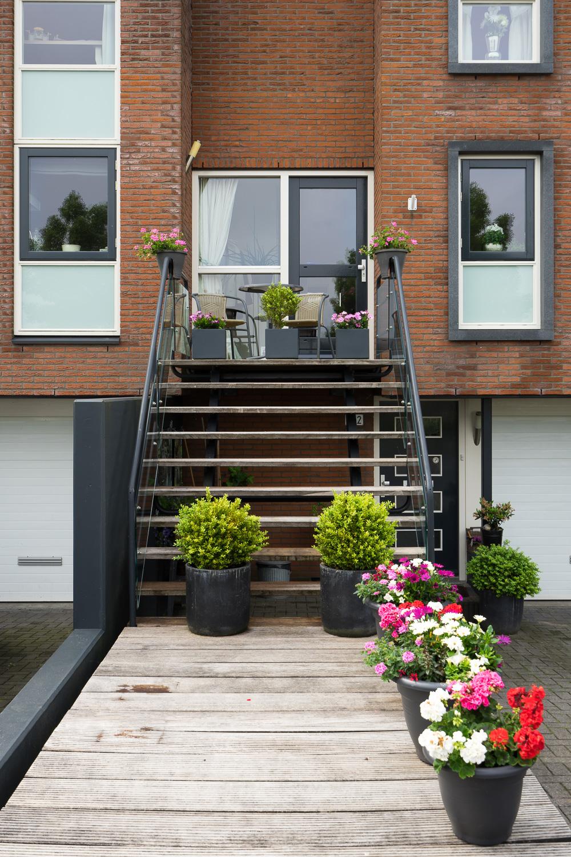 rowhouse-stairs-07631.jpg