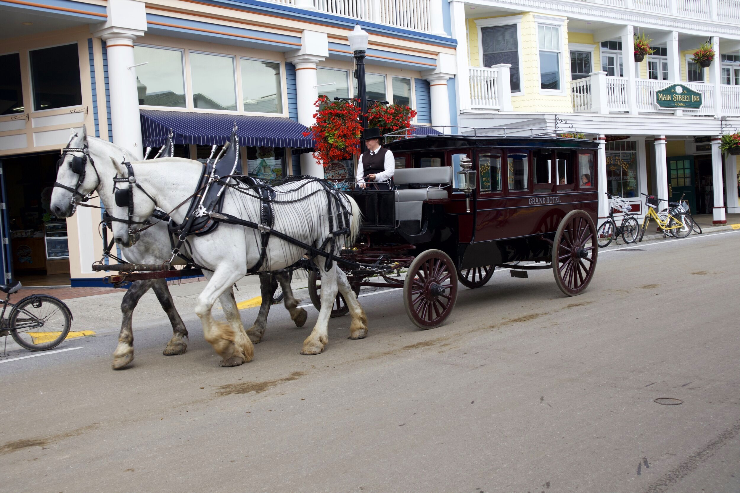 There are more than 500 horses on Mackinac Island.