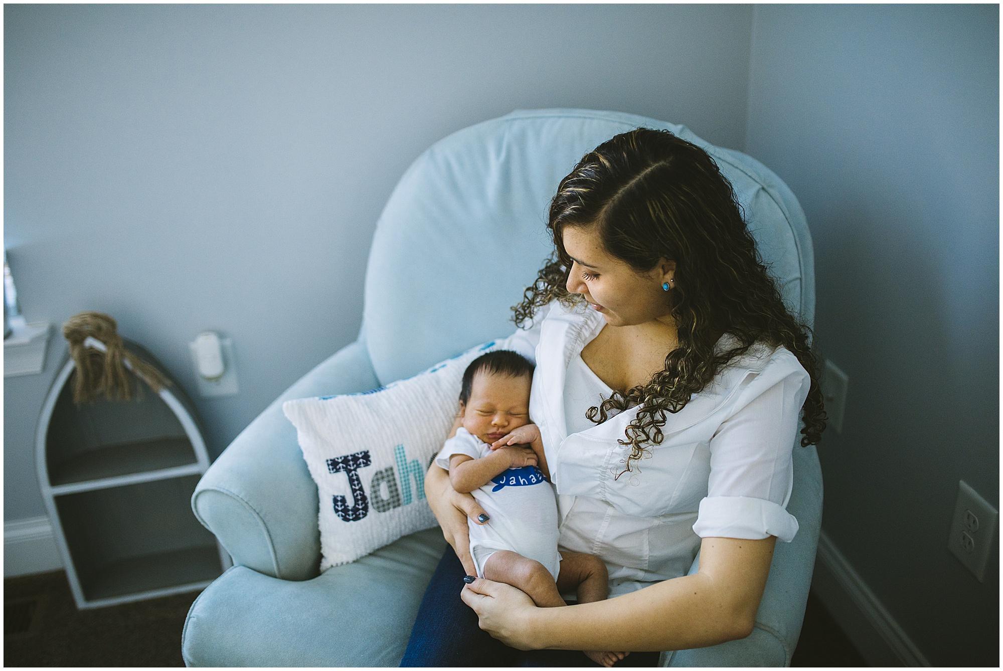 Emily-Lapish-Photo-Film-documentary-newborn-session_0010.jpg