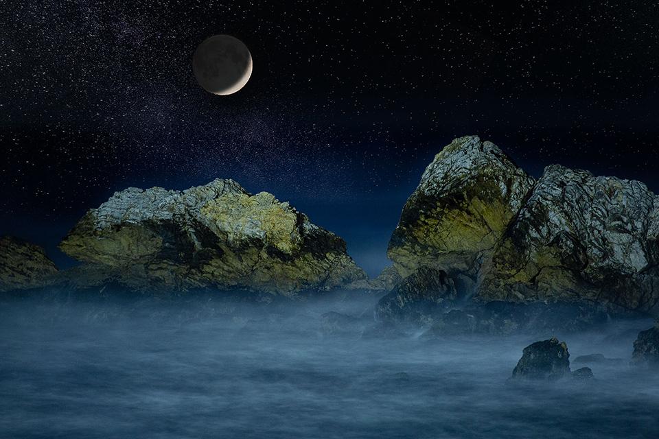 Crescent-Moon-Over-Rockaway-Beach.jpg