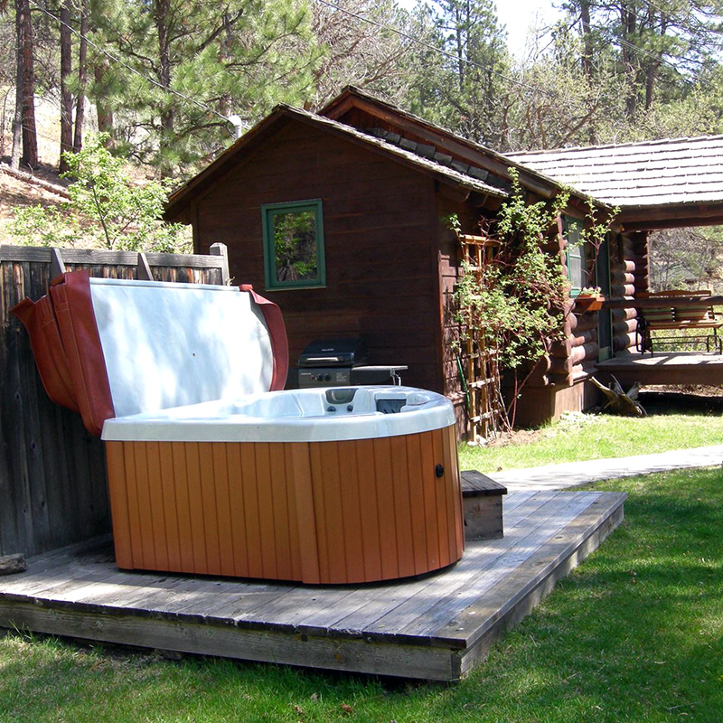hot-tub-willows-cabin-willow-springs-cabins-rapid-city-black-hills-south-dakota