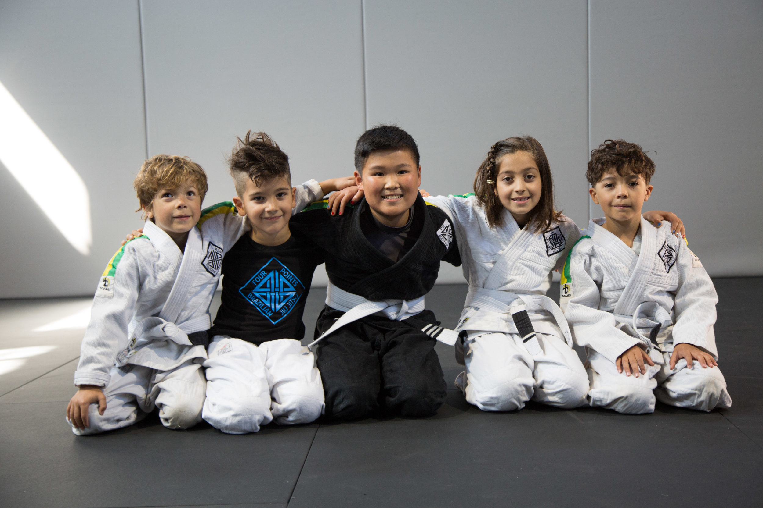 kids-bjj-happy-fun-friends
