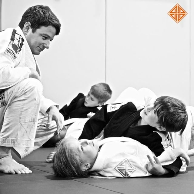 Thank you Dad. ⠀ Thank you for joining me in all of my BJJ classes, for putting on my GI and teaching me how to fix it... for motivating and pushing me forward teaching me all about hard work & responsibility. ⠀ .⠀ Happy Father's Day to all of our 4Points Dads & to the rest of you out there! 🙌⠀ .⠀ .⠀ .⠀ .⠀ #happyfathersday #fathersday #fathersongoals #fatherdaughter #bjjfamily #bjjkids #bjj #bjjlifestyle #dadgoals #bjjdad #bjjgirls