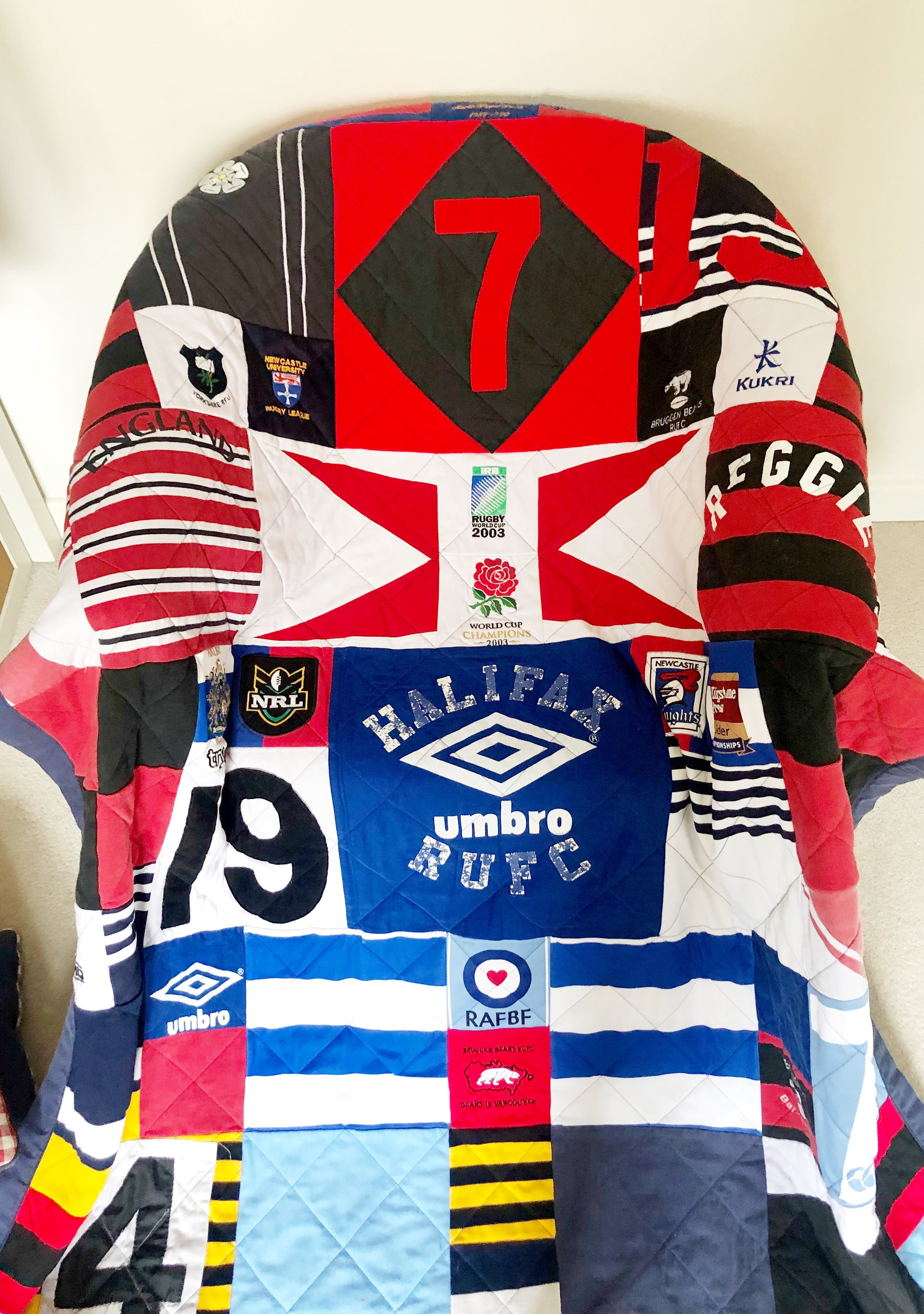 We love this bedspread made for one of our younger clients out of his Das's extensive collection of rugby shirts. Thank you @magpieslaundryquilts