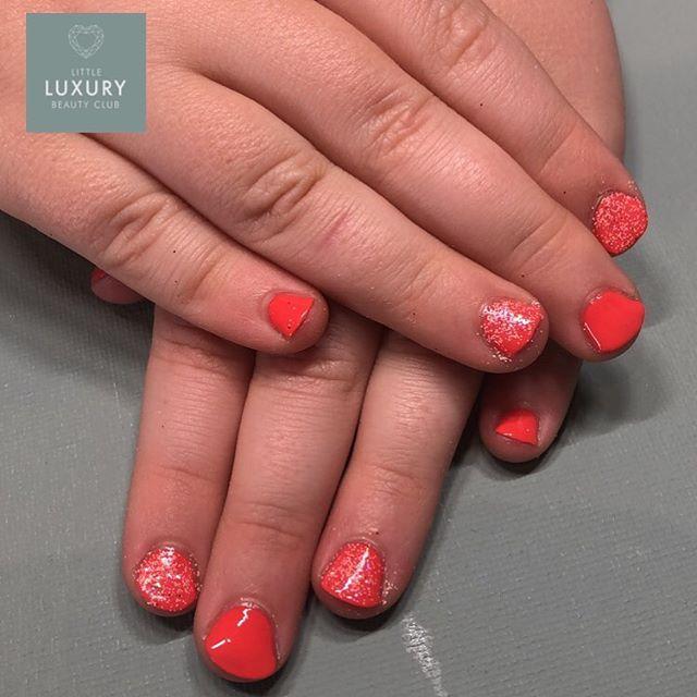 Mini Manicures . . . #minimanicure #pamper #fileandpolish #child #wrexhamsalon #totalfitness #instanails